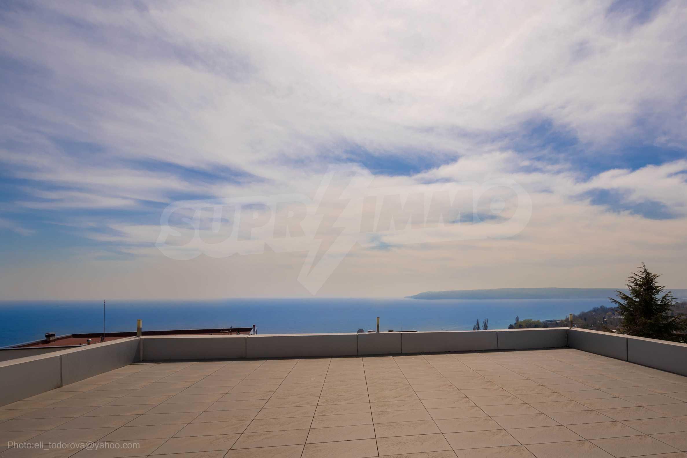 Луксозна къща с неповторима морска панорама в м-т Св. Никола 40