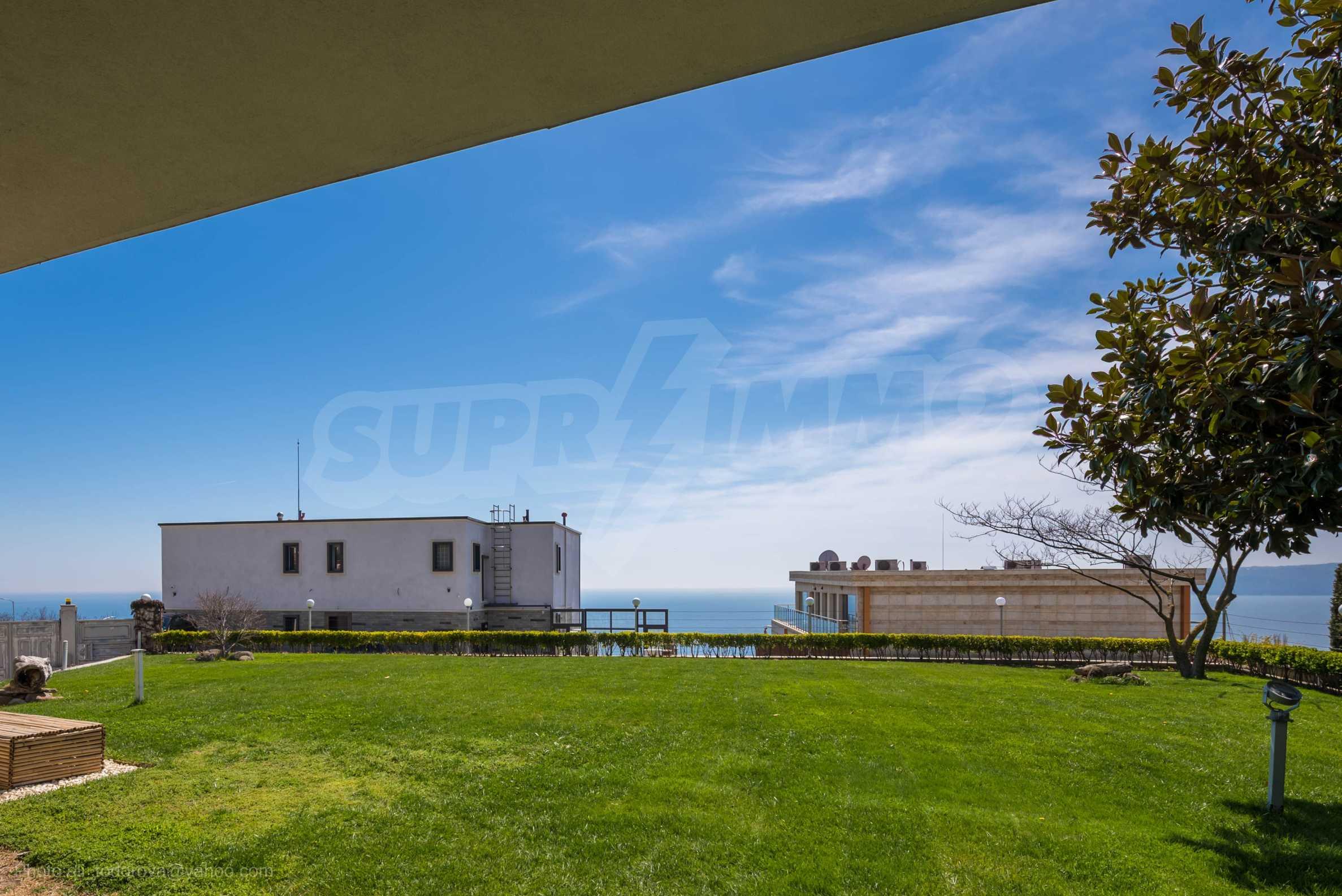 Луксозна къща с неповторима морска панорама в м-т Св. Никола 50