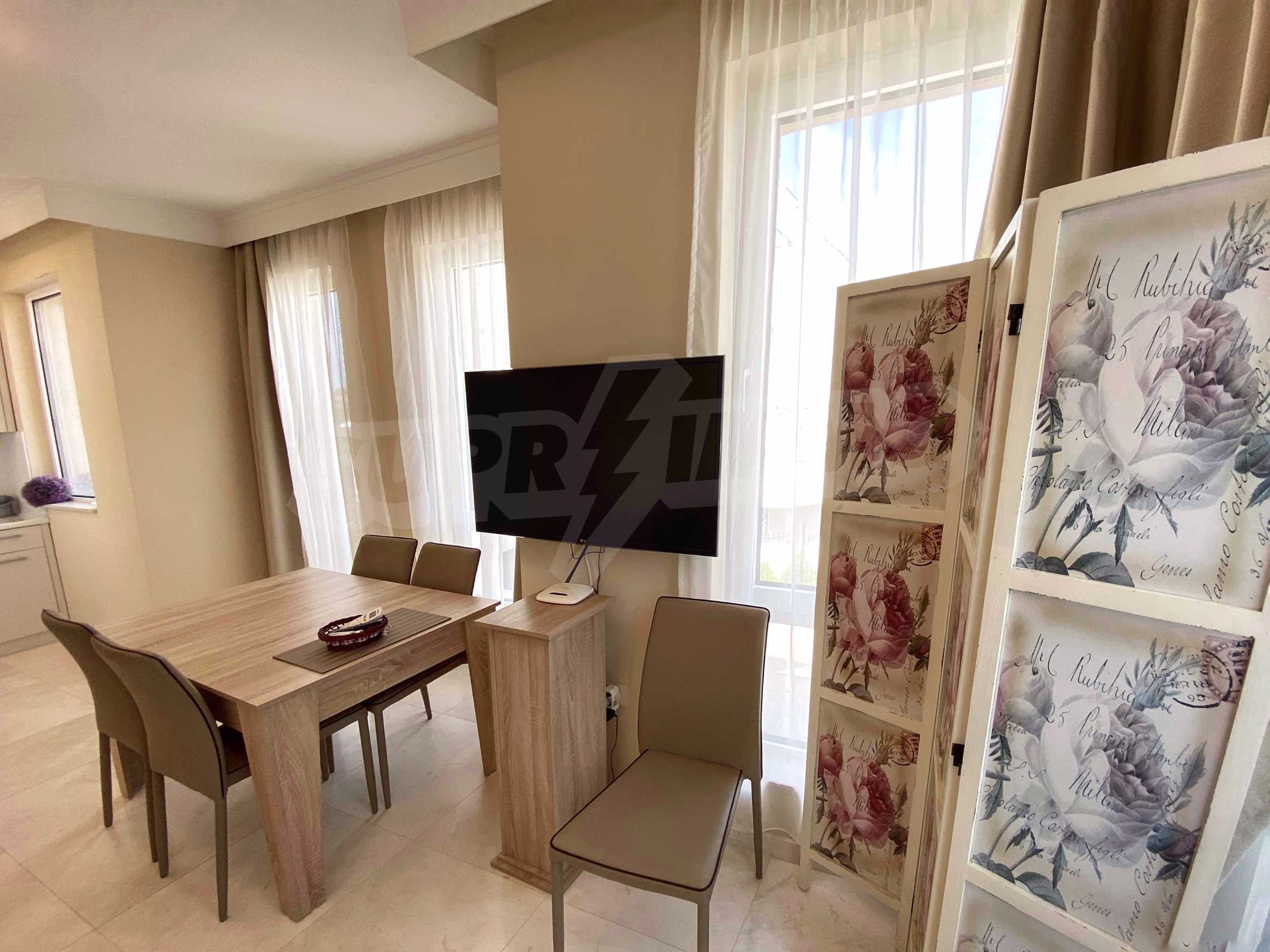 Luxurious apartment with sea views in Belle Époque remarkable residence by Central Beach 10