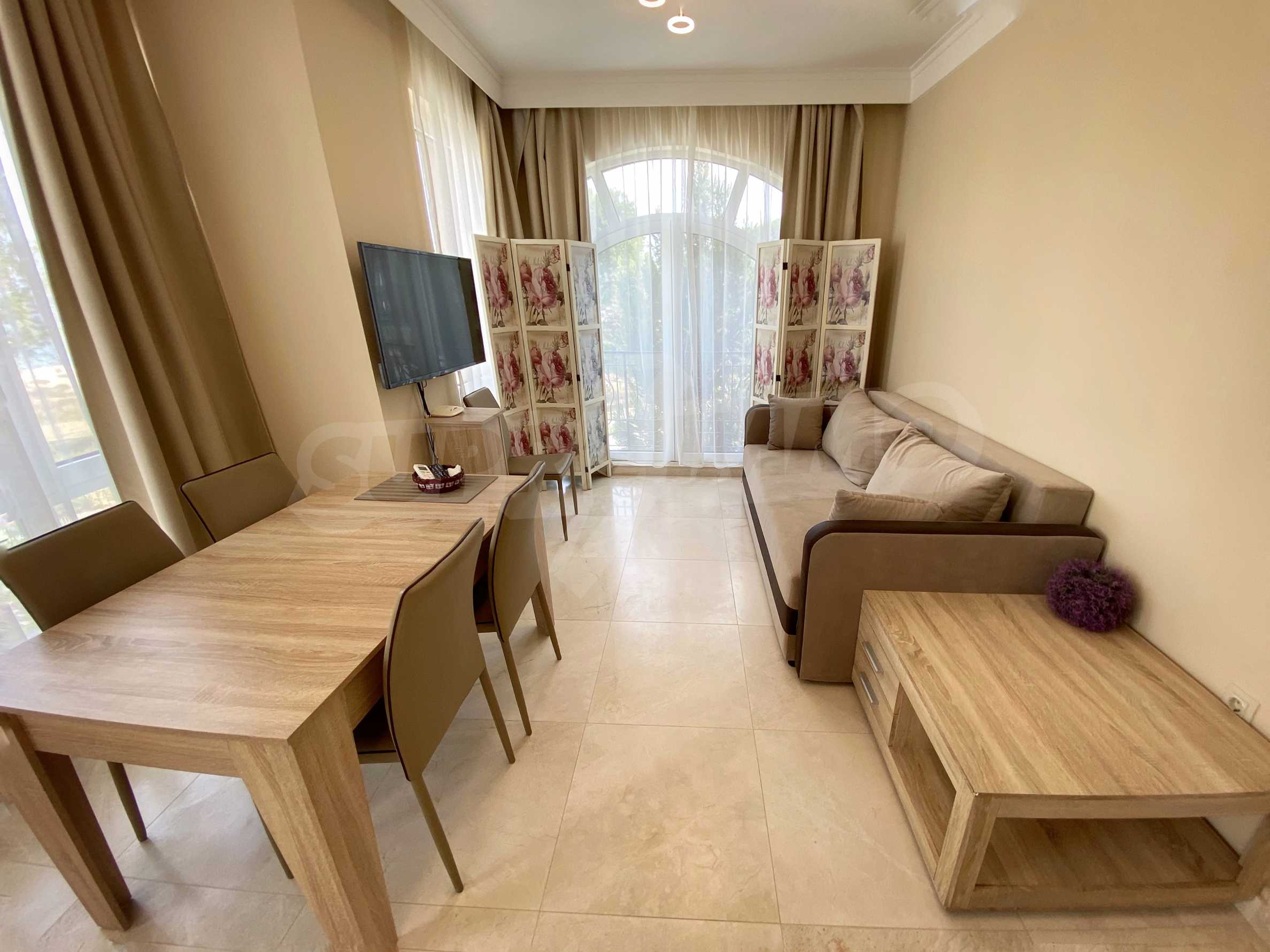 Luxurious apartment with sea views in Belle Époque remarkable residence by Central Beach 11