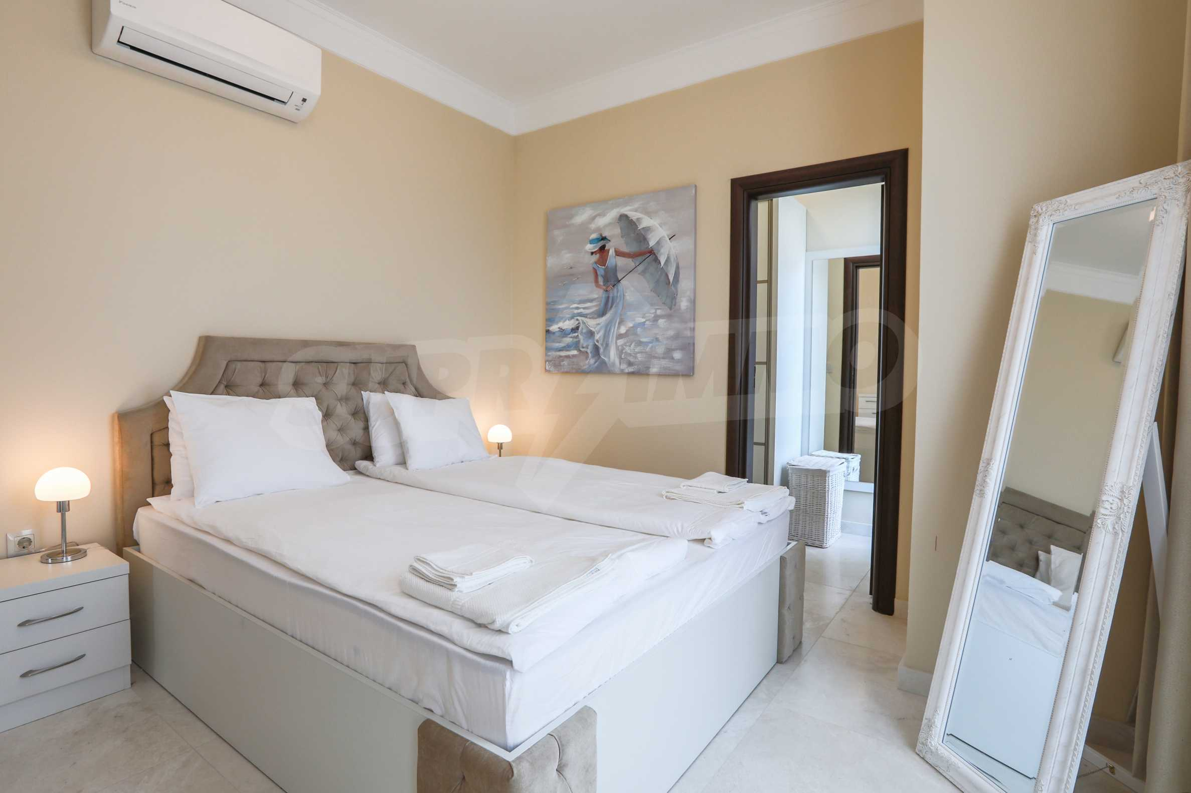 Luxurious apartment with sea views in Belle Époque remarkable residence by Central Beach 23