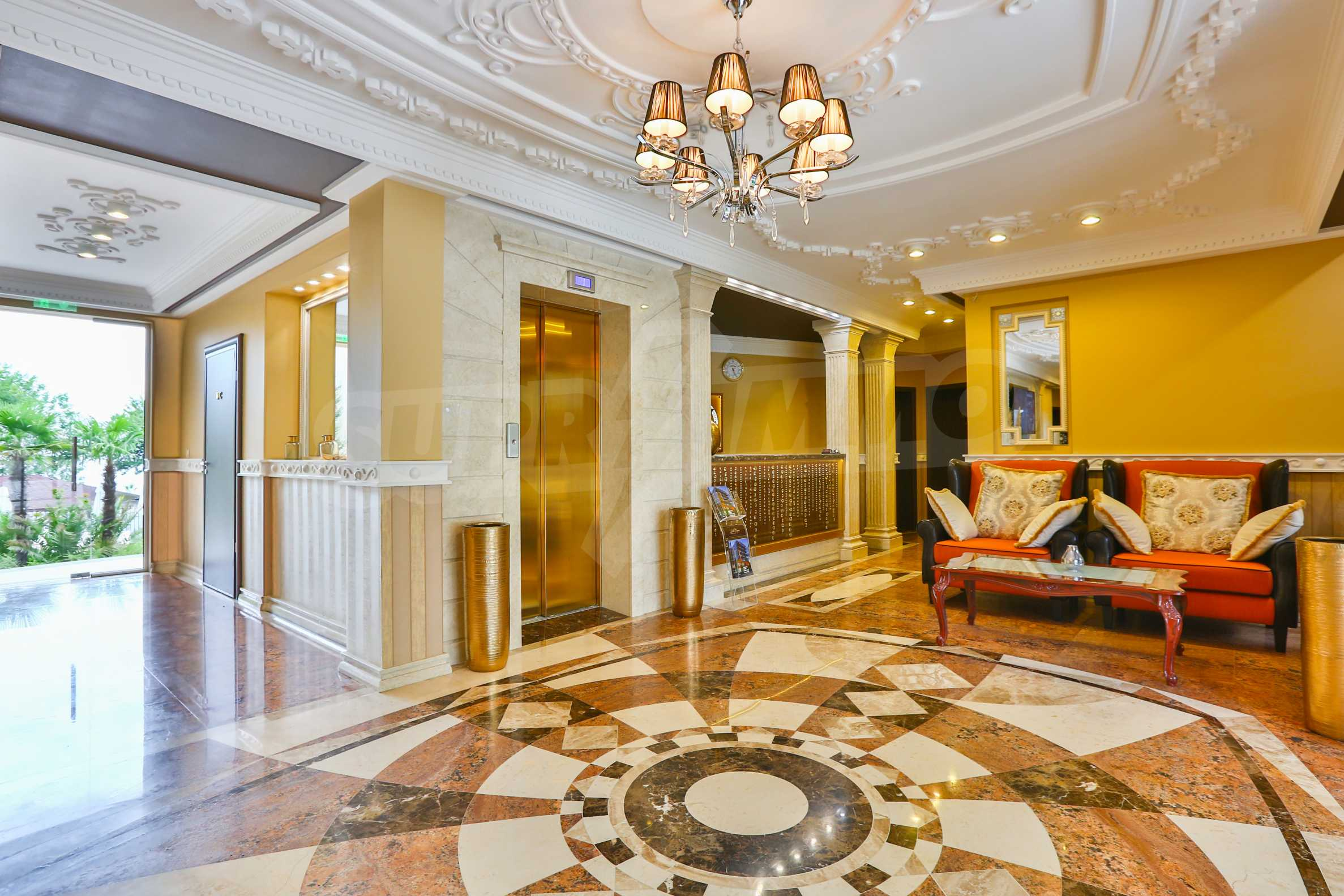 Luxurious apartment with sea views in Belle Époque remarkable residence by Central Beach 41