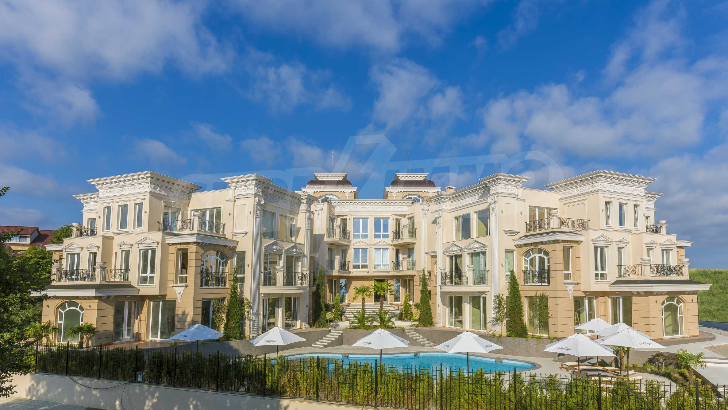 Luxurious apartment with sea views in Belle Époque remarkable residence by Central Beach 48
