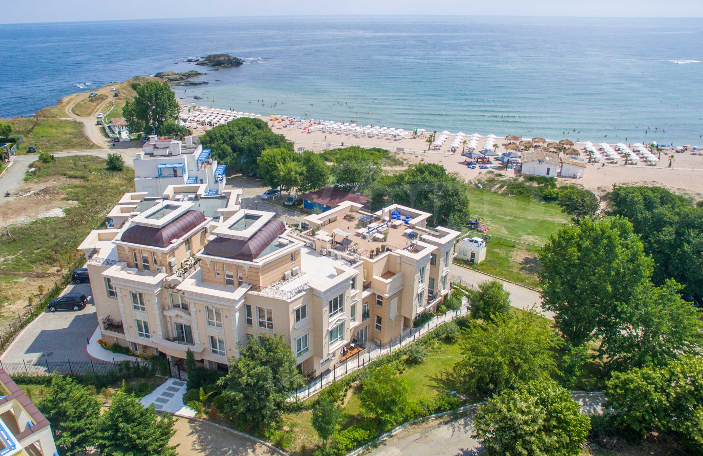 Luxurious apartment with sea views in Belle Époque remarkable residence by Central Beach 5