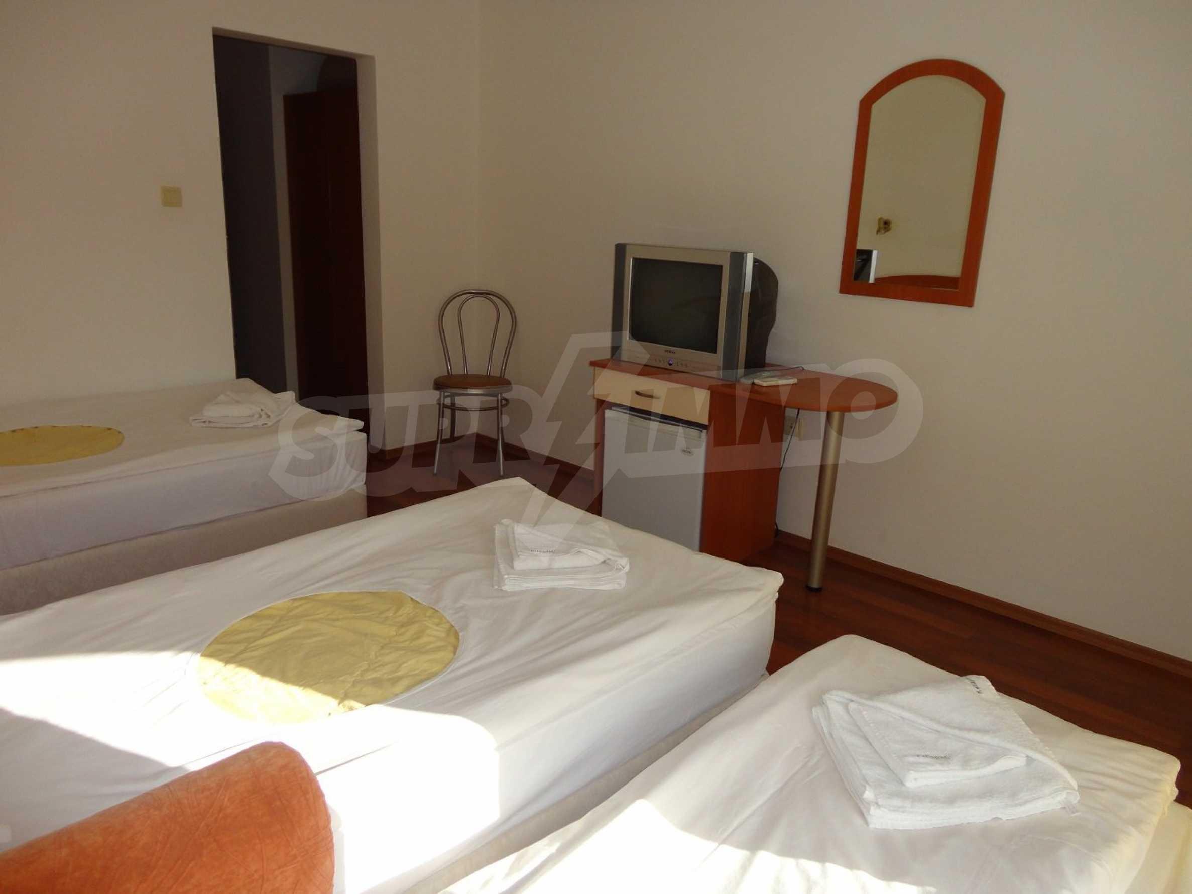 Hotel zum Verkauf in Kiten 9