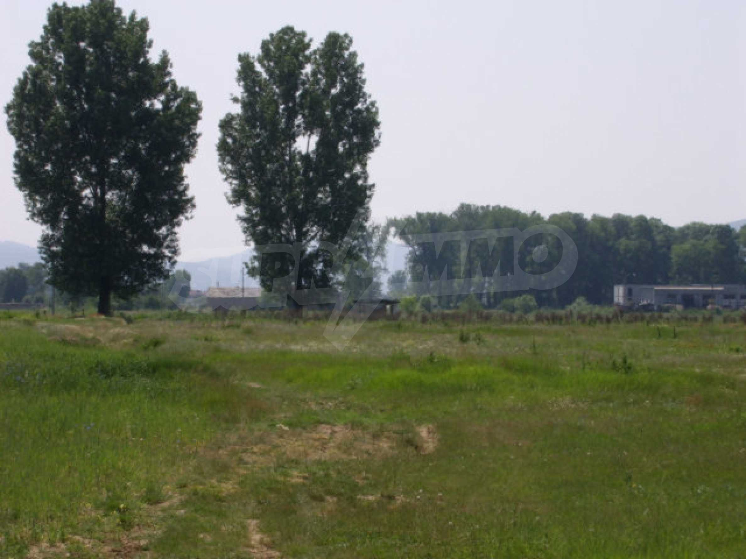 Земеделска земя в гр. Ихтиман 2