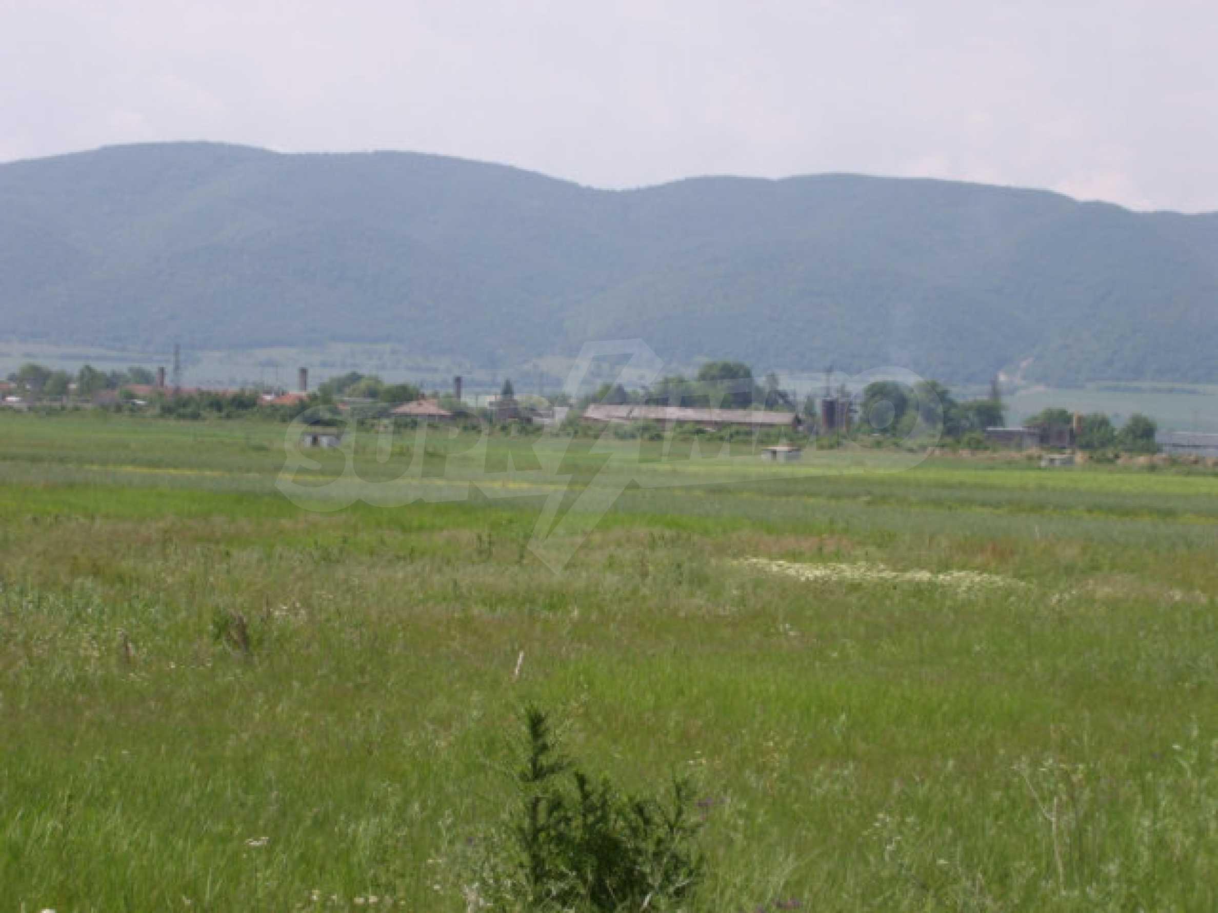 Ackerland in Ihtiman 5