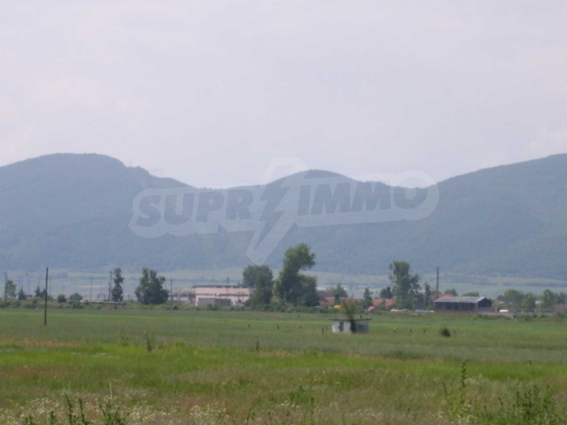 Земеделска земя в гр. Ихтиман 6