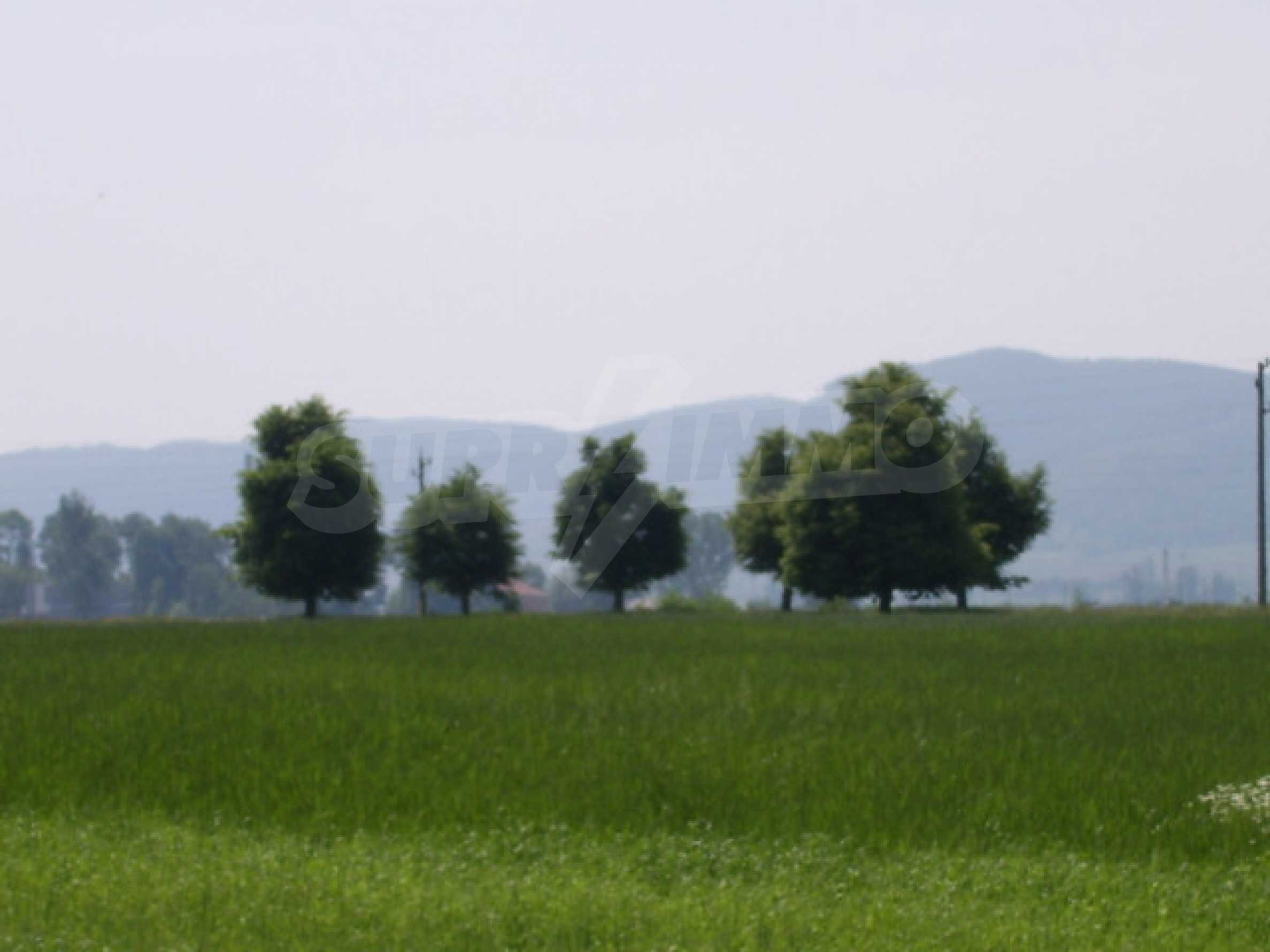 Земеделска земя в гр. Ихтиман 7