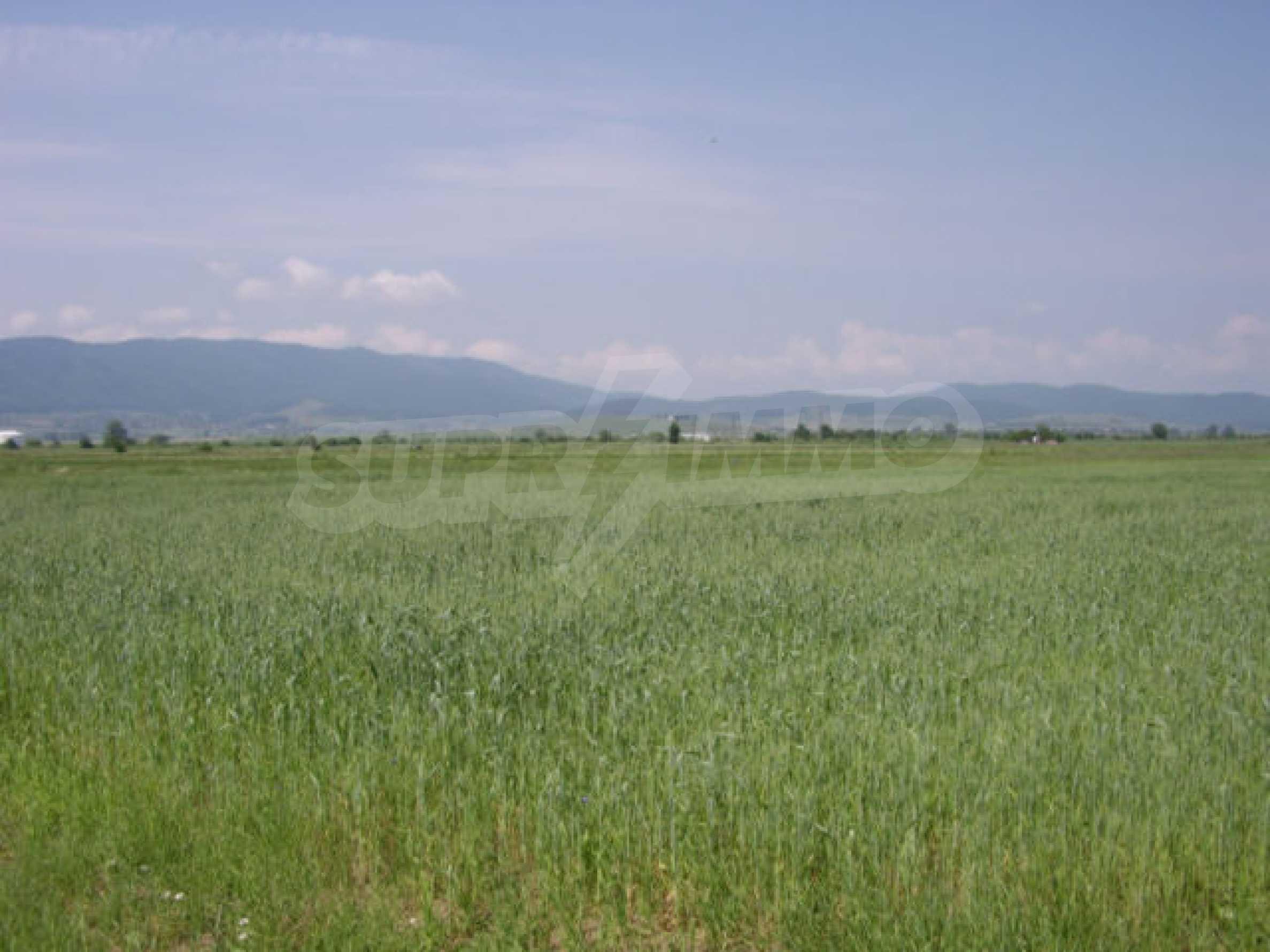 Земеделска земя в гр. Ихтиман 8