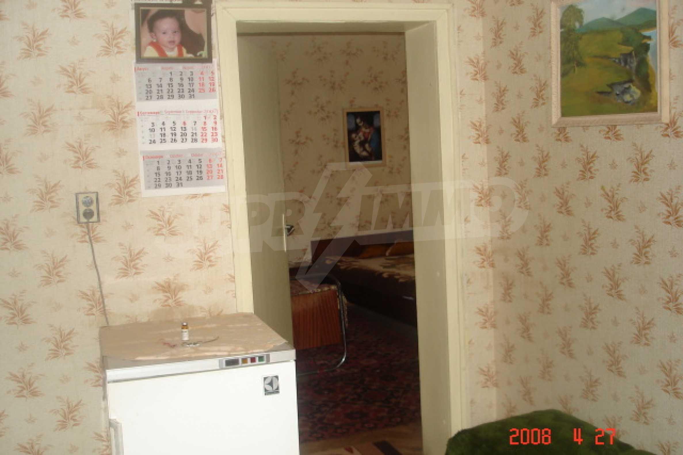 Къща в голямо село на 10 км от гр. Белоградчик 7