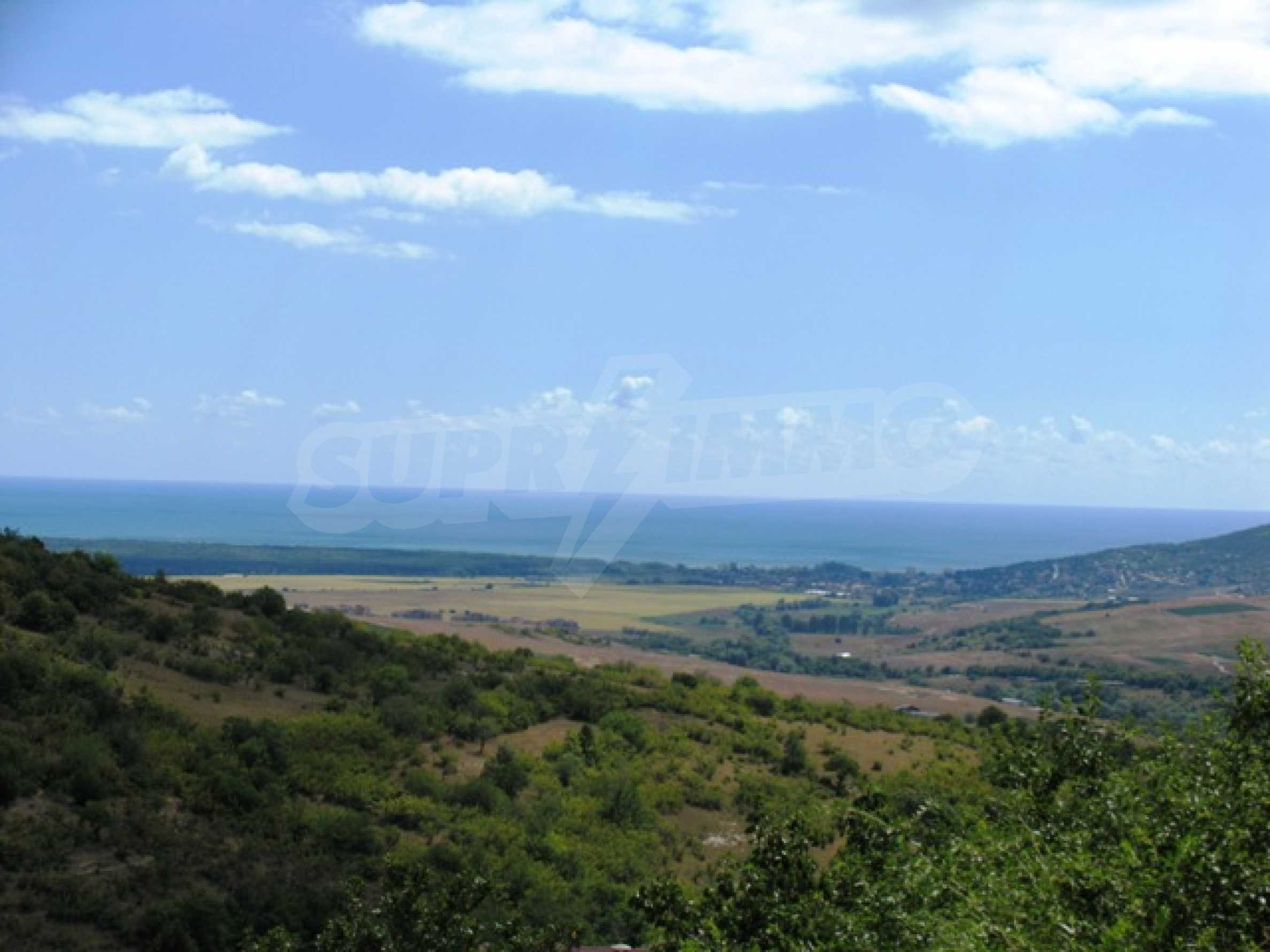 Excellent offer: plot of regulated land at a reasonable price and amazing sea view