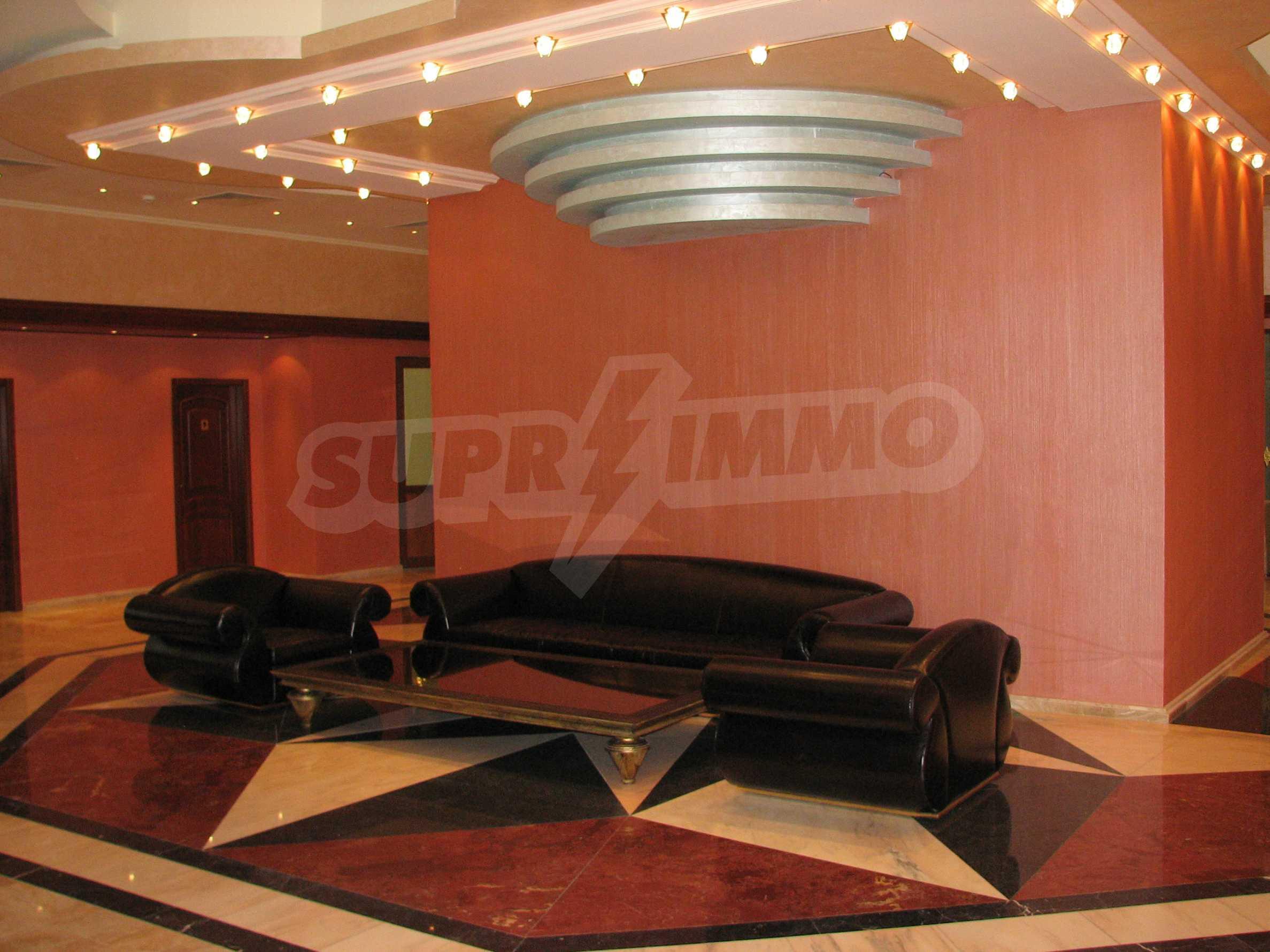 Апартамент Порт Палас 36