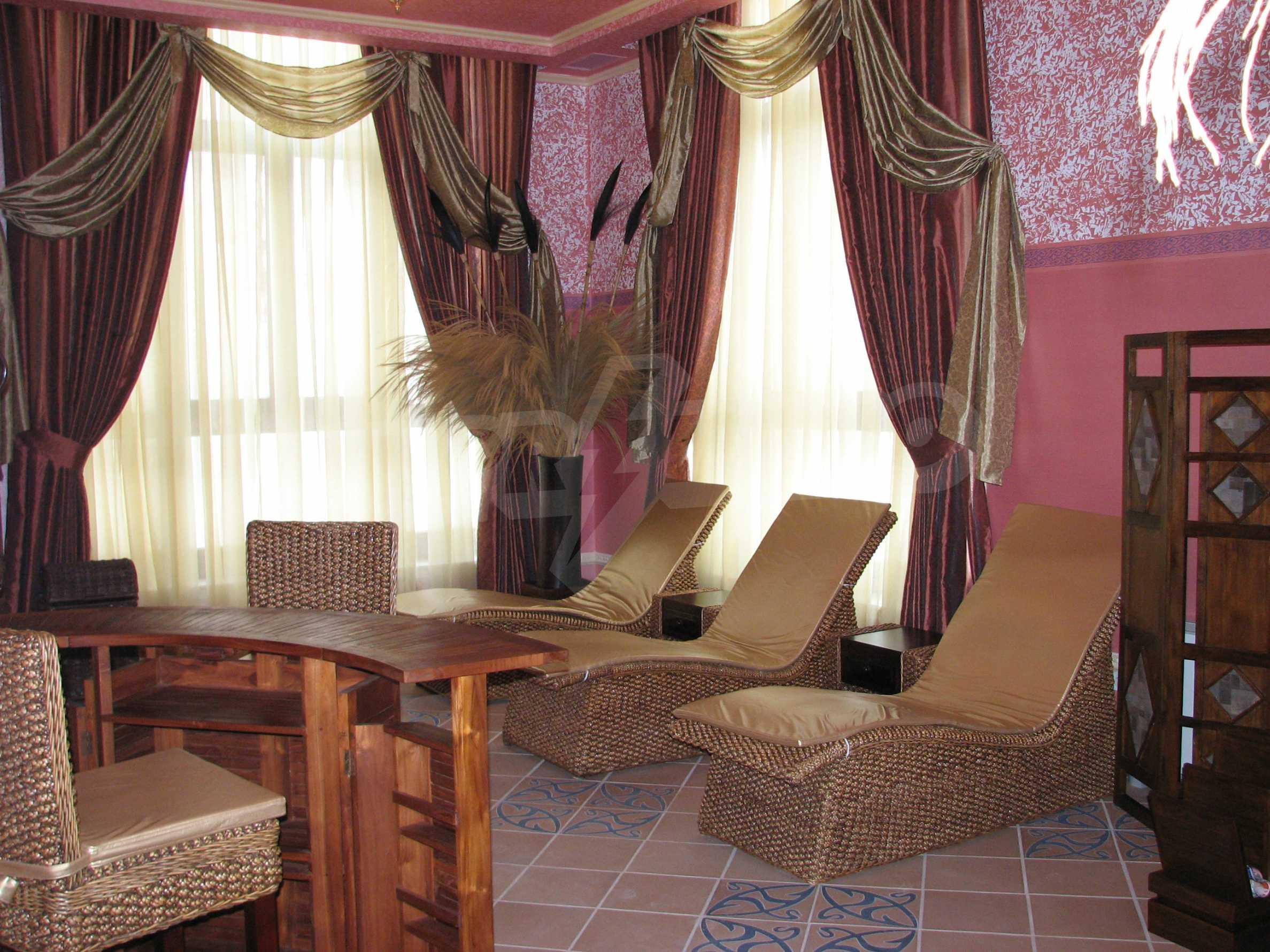 Апартамент Порт Палас 44
