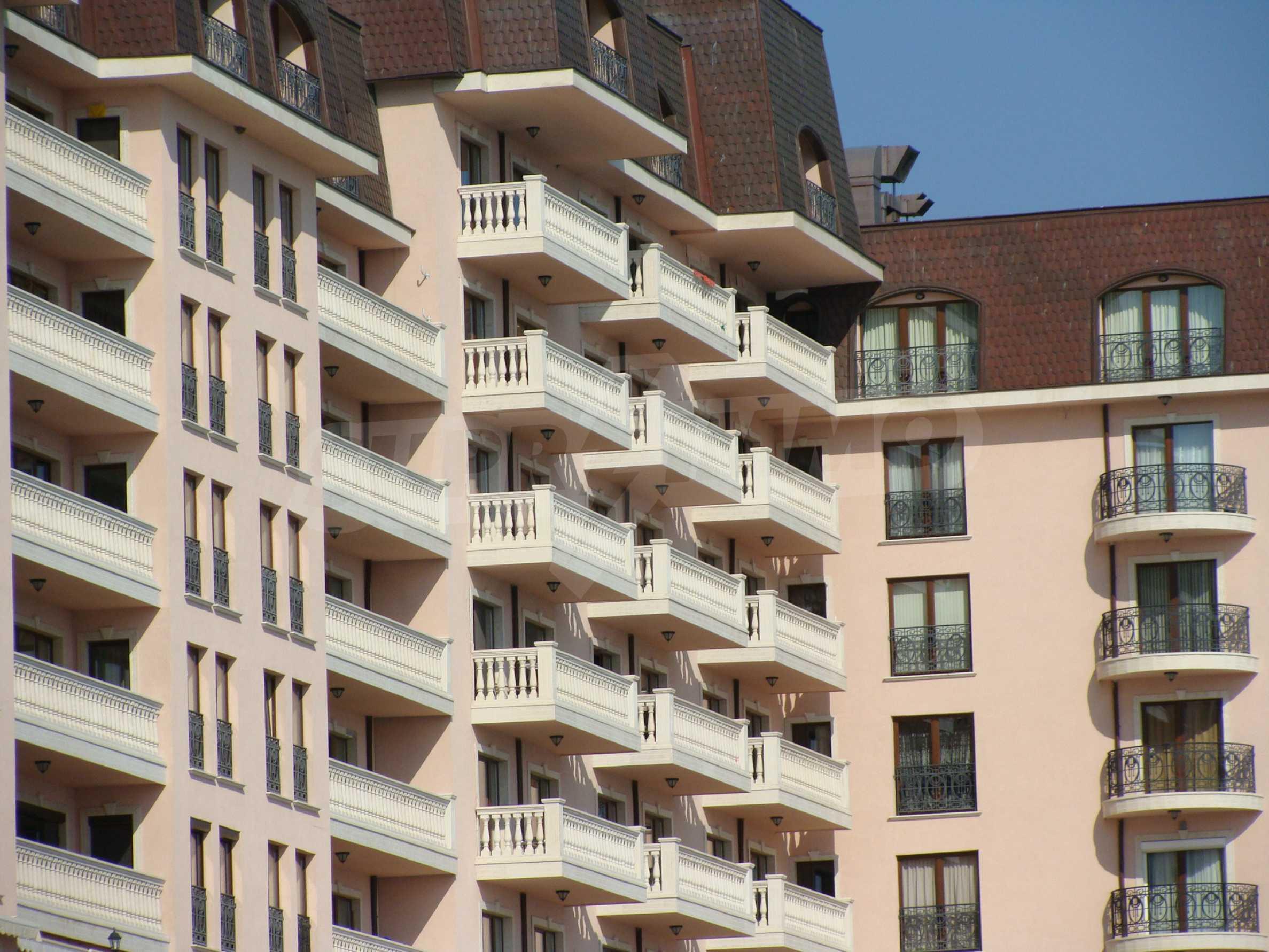 Апартамент Порт Палас 53