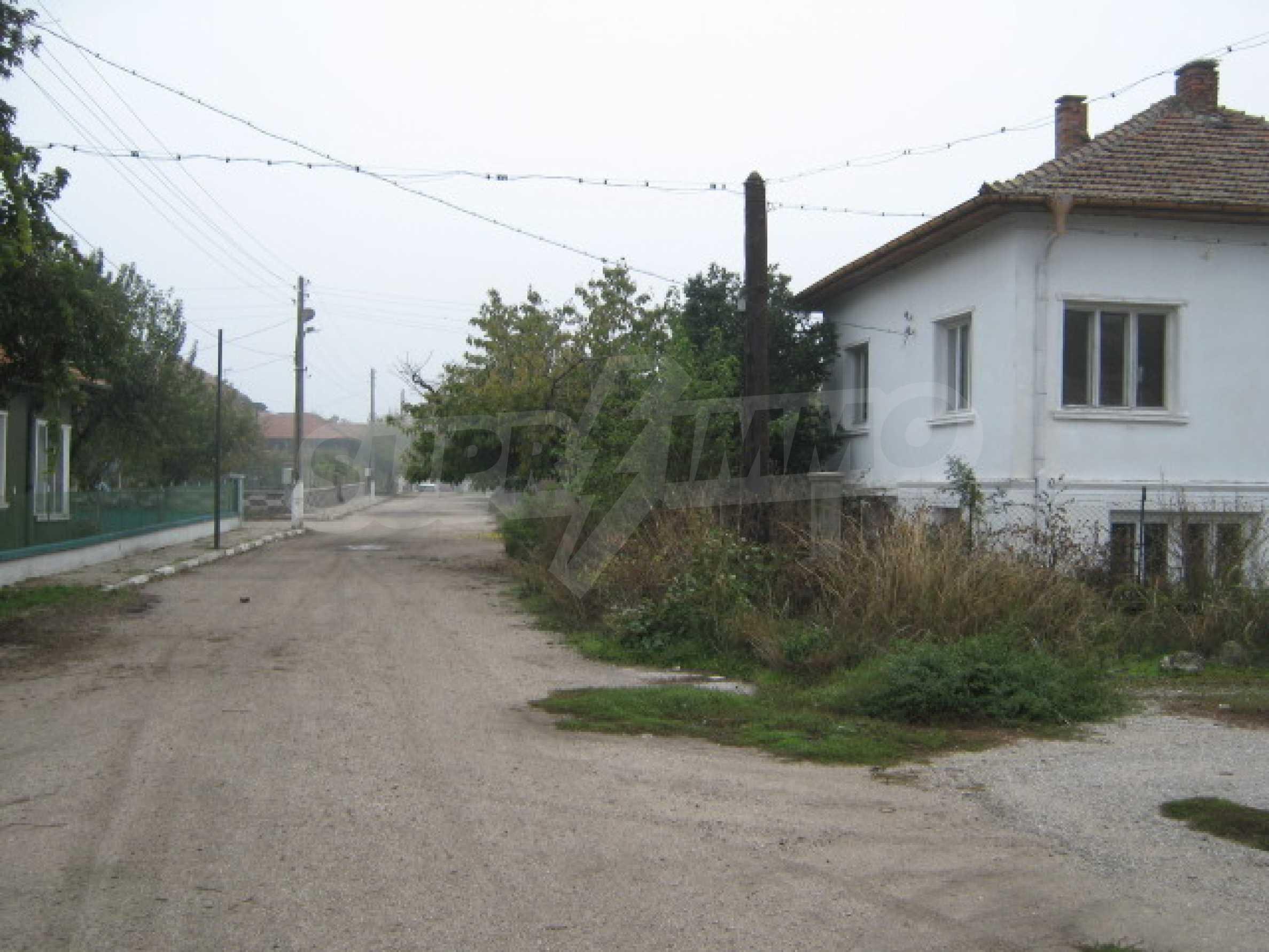 Къща в живописно село на брега на река Дунав 16