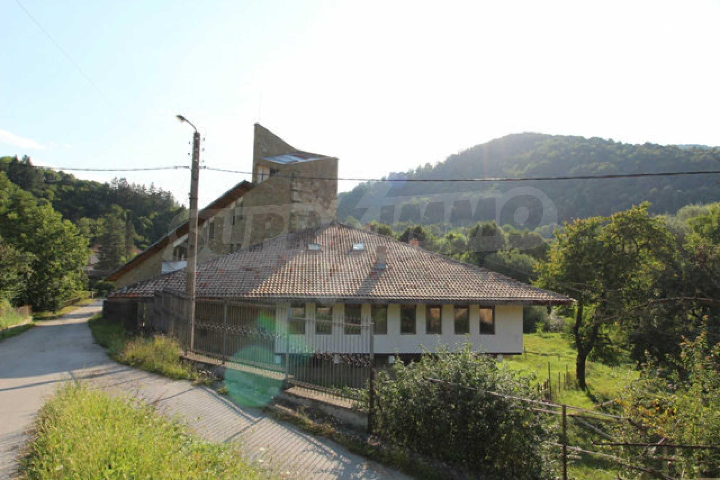Hotel zum Verkauf in der Nähe von Veliko Tarnovo 1