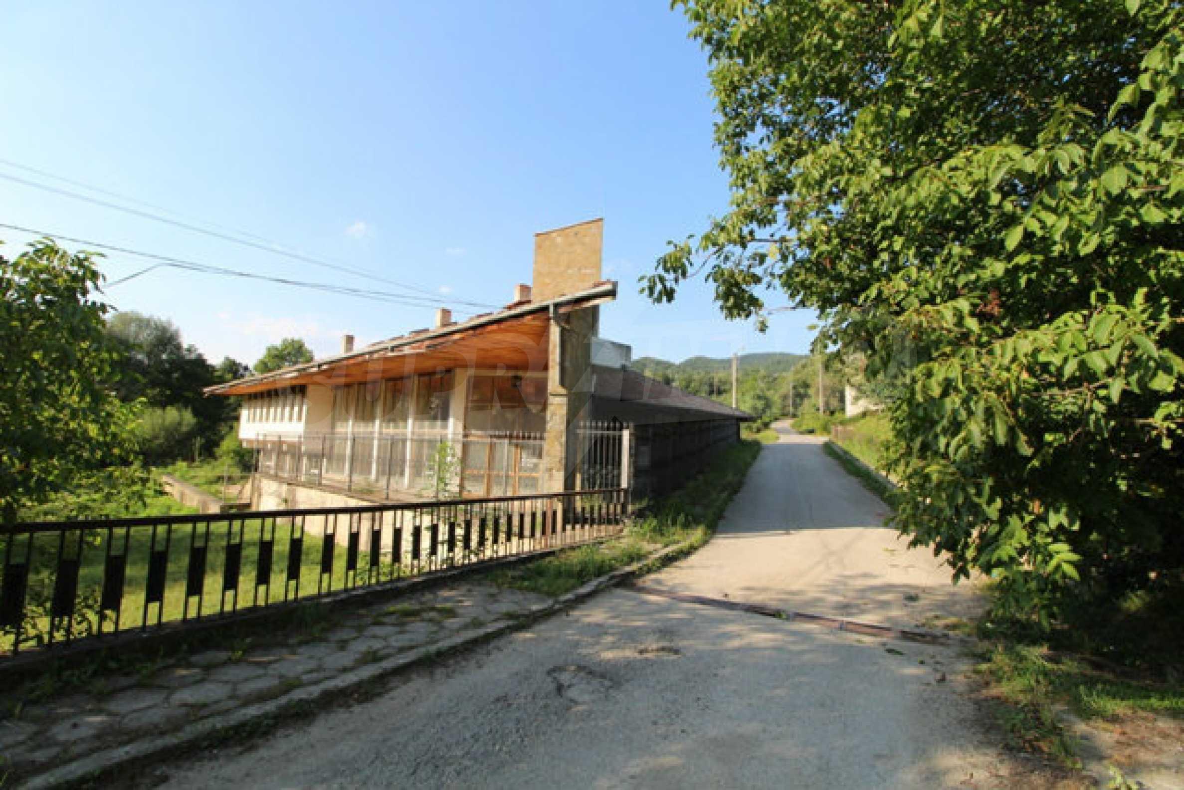 Хотел за продажба близо до гр. Велико Търново 2