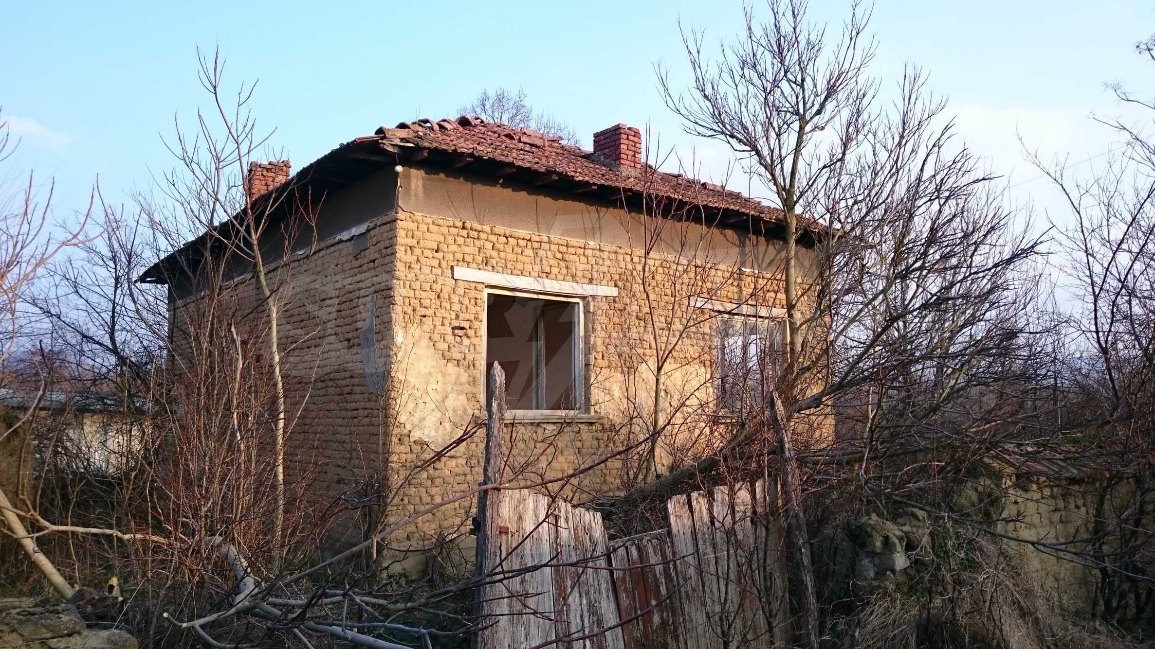 Rural house with yard 5 min drive from Lovech 16