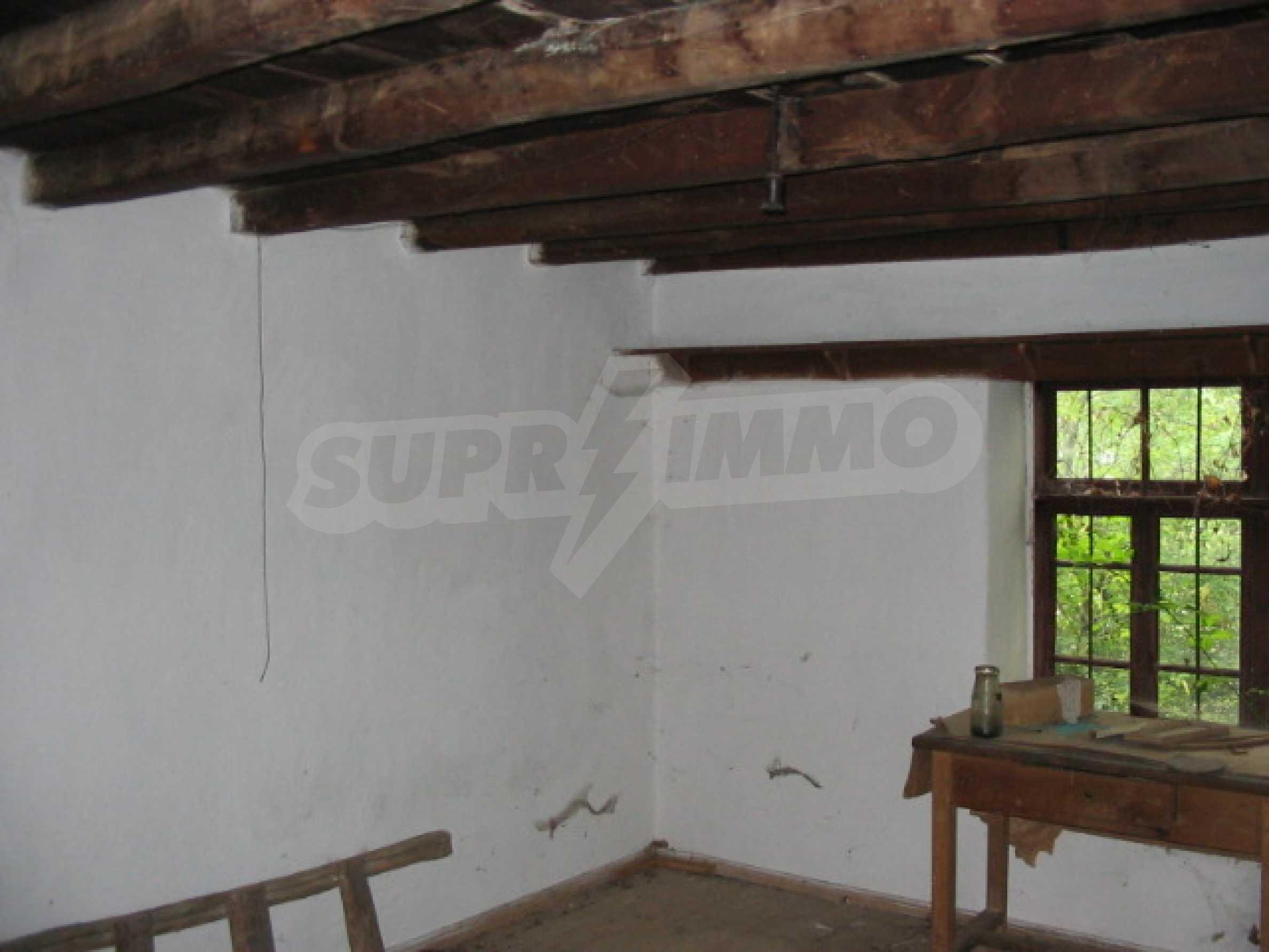 Haus zum Verkauf in der Nähe von Gabrovo 1