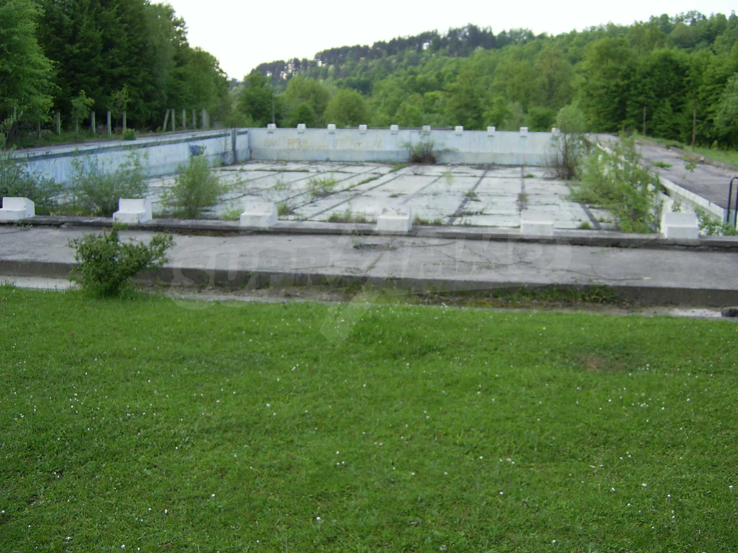 Plot with a swimming pool in Troyan 9