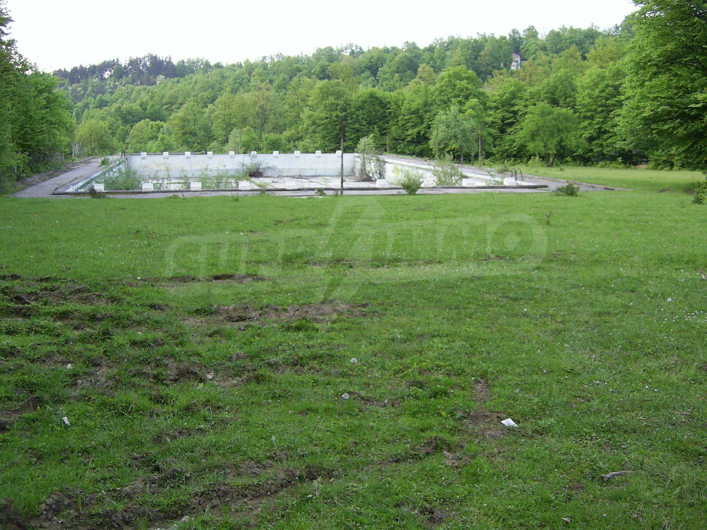 Plot with a swimming pool in Troyan 14