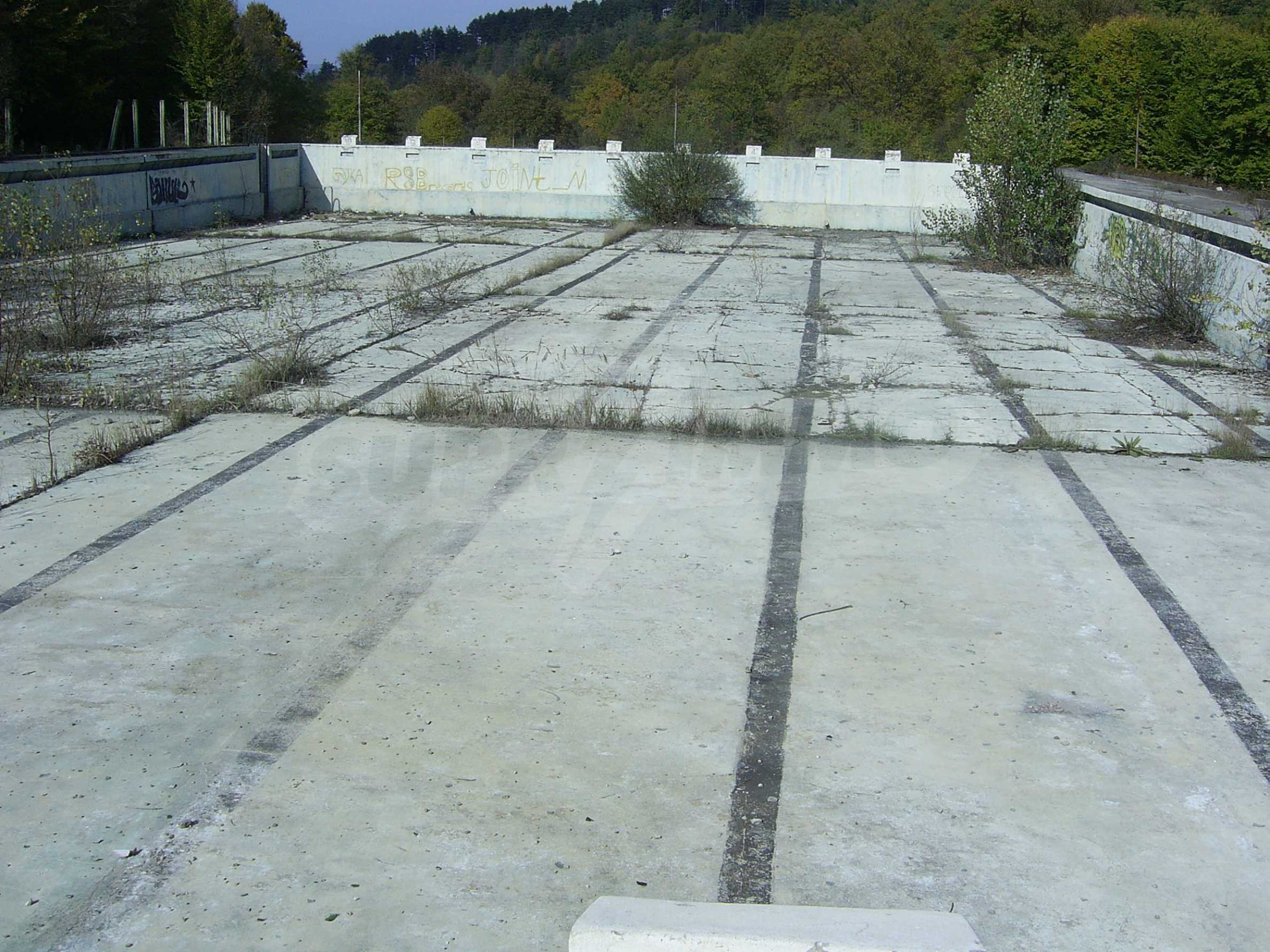 Plot with a swimming pool in Troyan 6