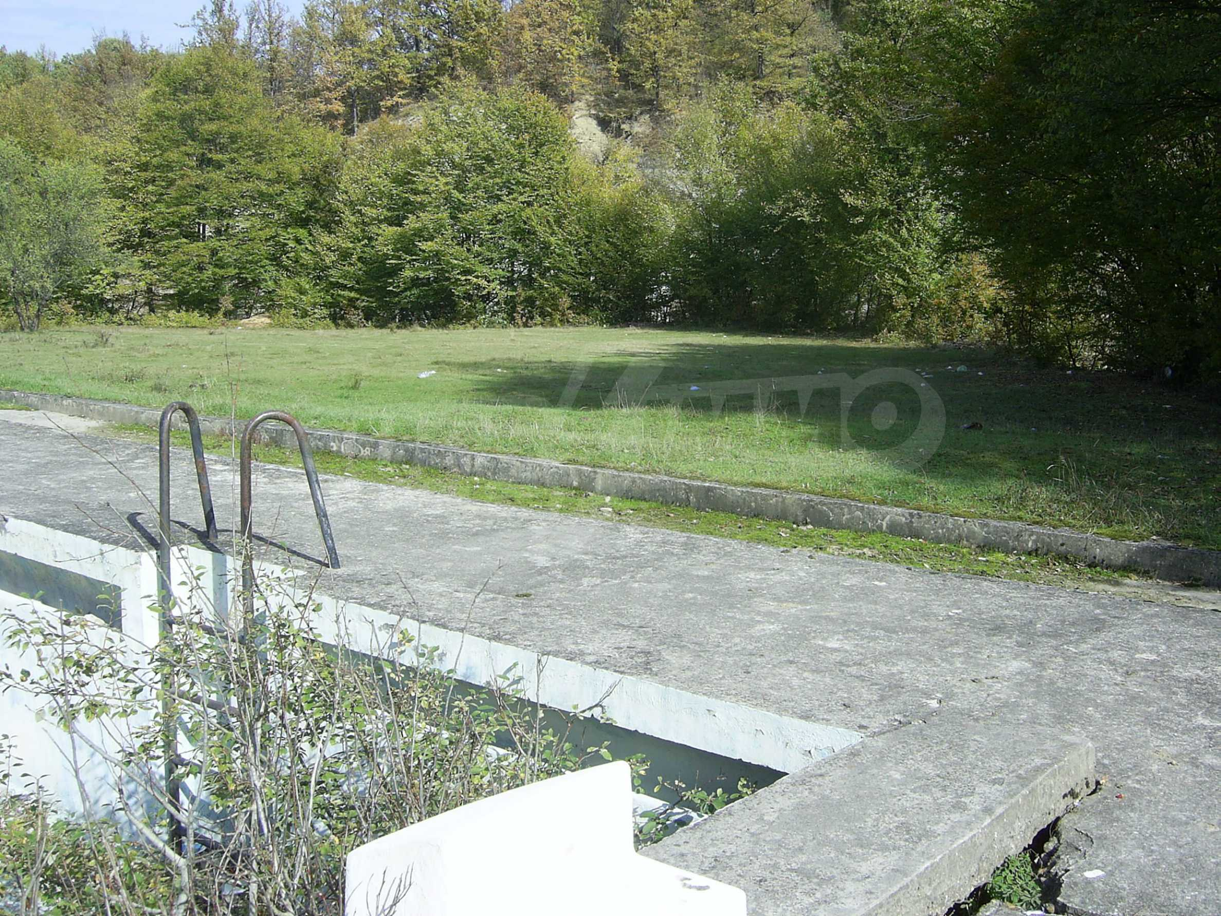 Plot with a swimming pool in Troyan 7