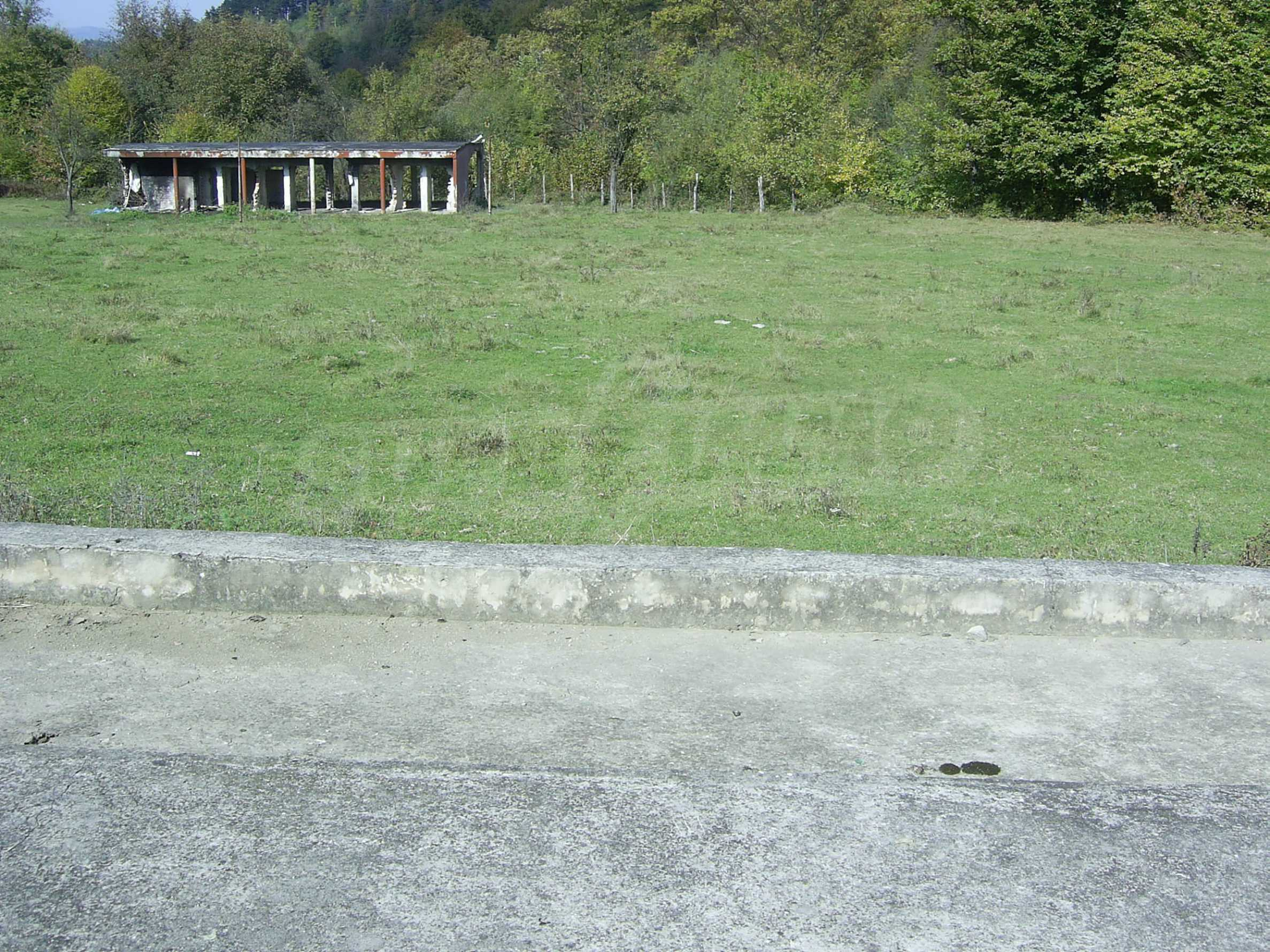 Plot with a swimming pool in Troyan 8
