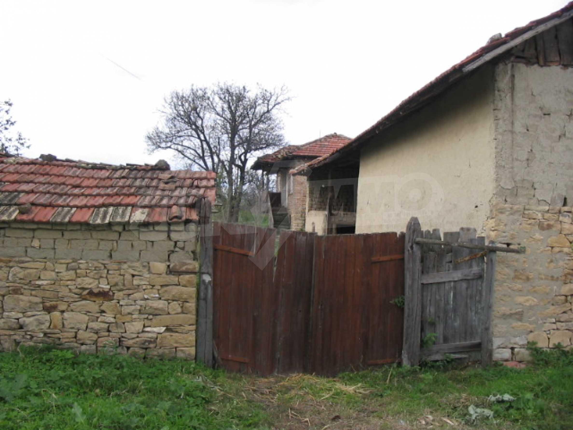 Zweistöckiges Haus zu einem günstigen Preis 10