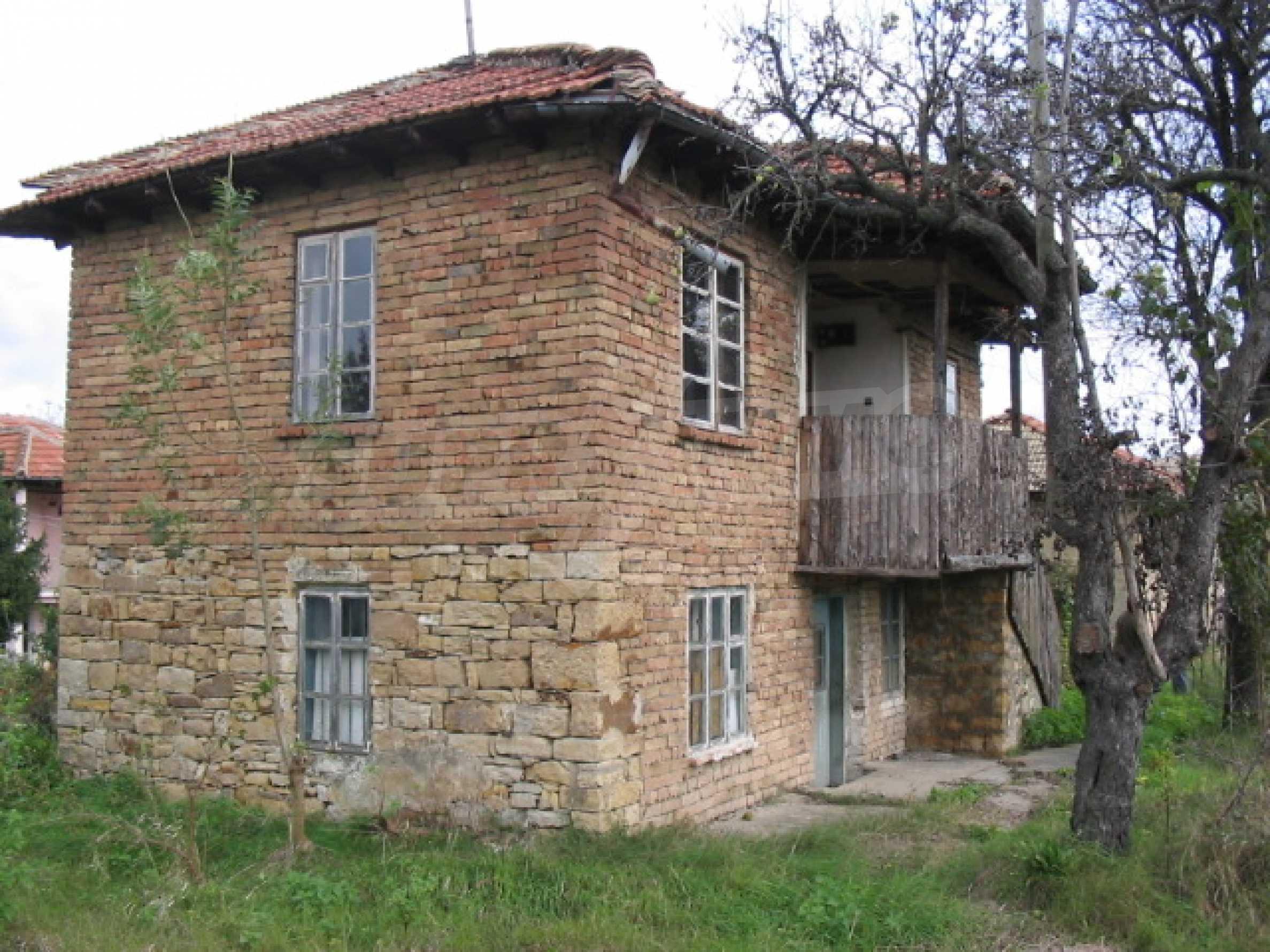 Zweistöckiges Haus zu einem günstigen Preis 3