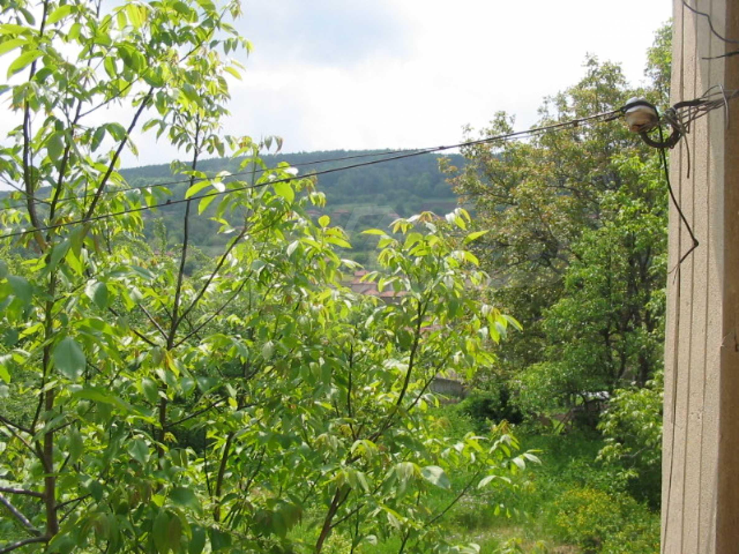 Zweistöckiges Haus mit Hof in einem Dorf, 38 km von Veliko Tarnovo entfernt 6
