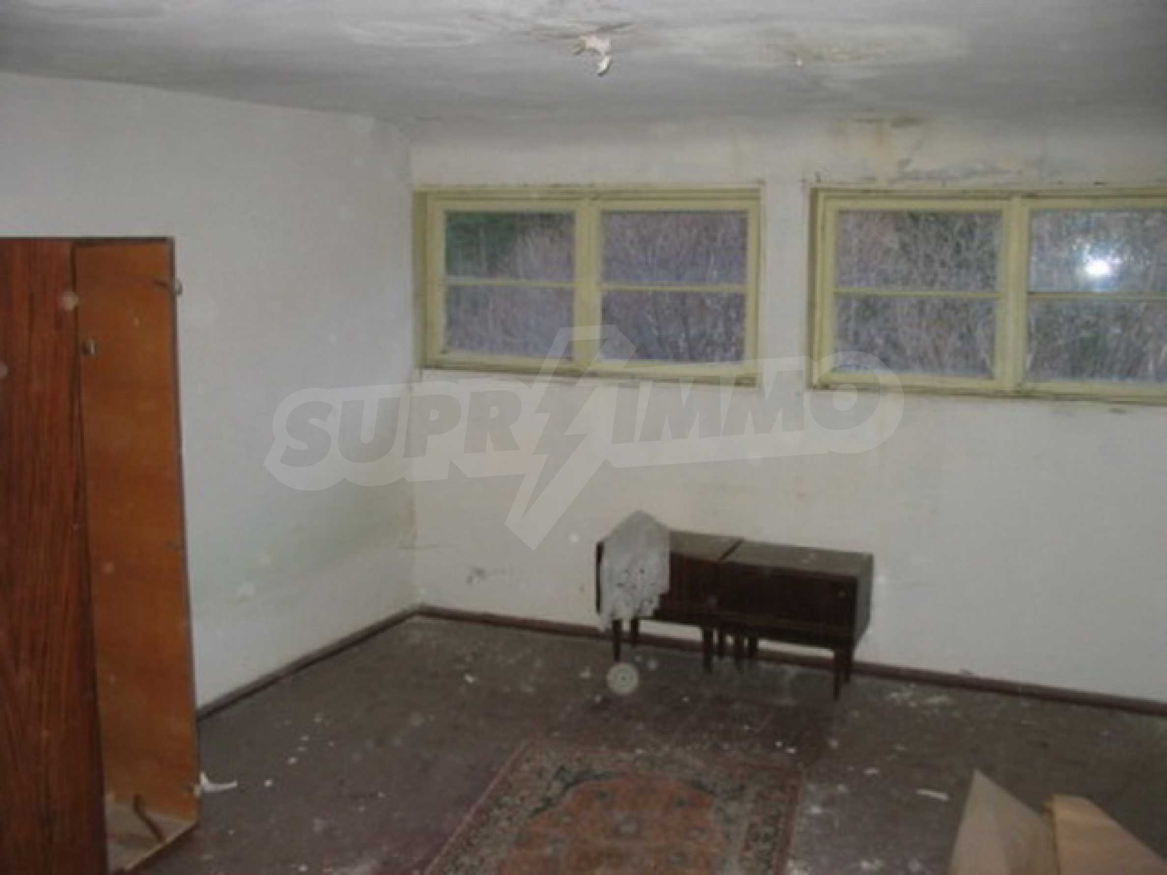 Hotel in need of complete renovation 8