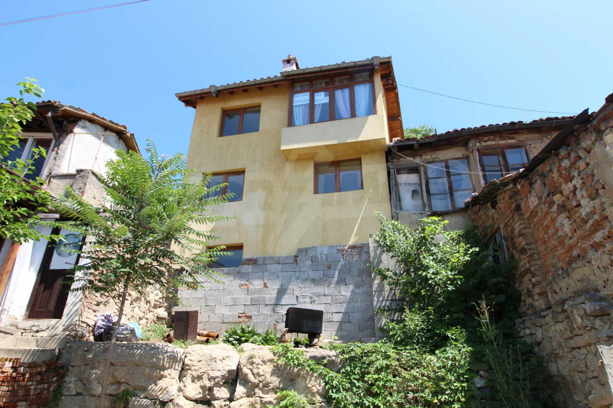 Къща след ремонт в старата част на Велико Търново 3