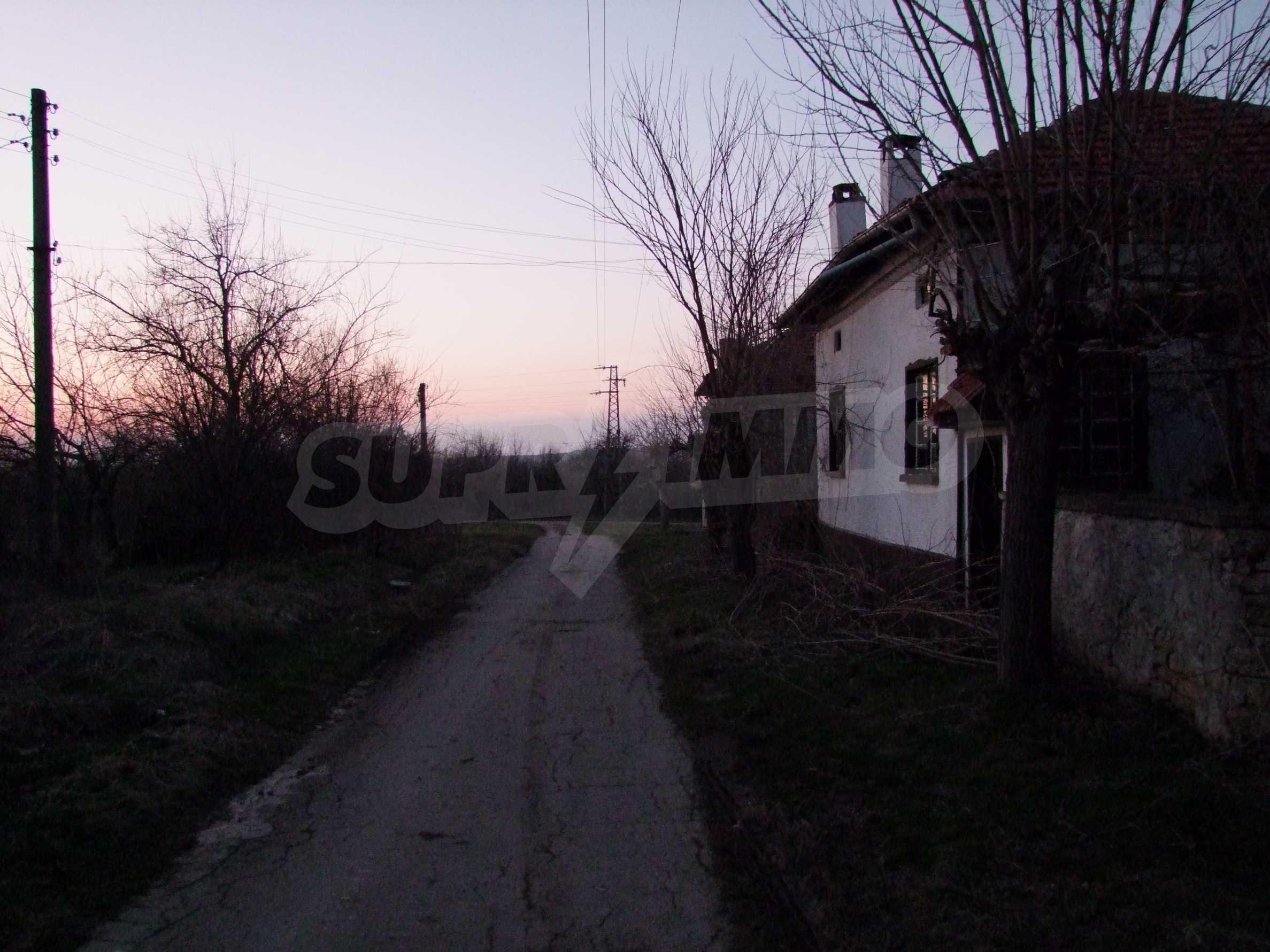 Къща за продажба близо до гр. Велико Търново  40