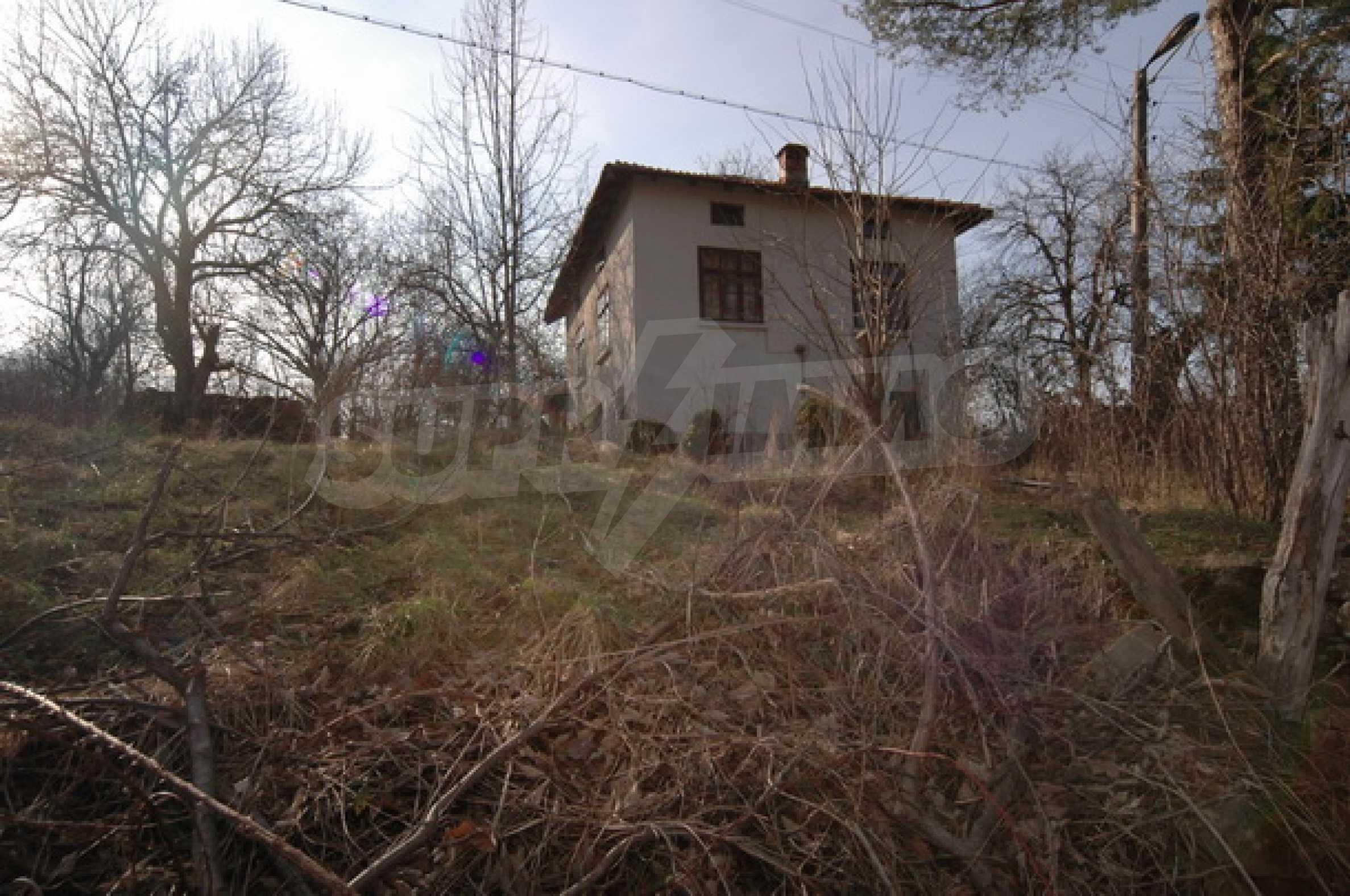 Zweistöckiges Haus in sehr attraktiver Lage 1