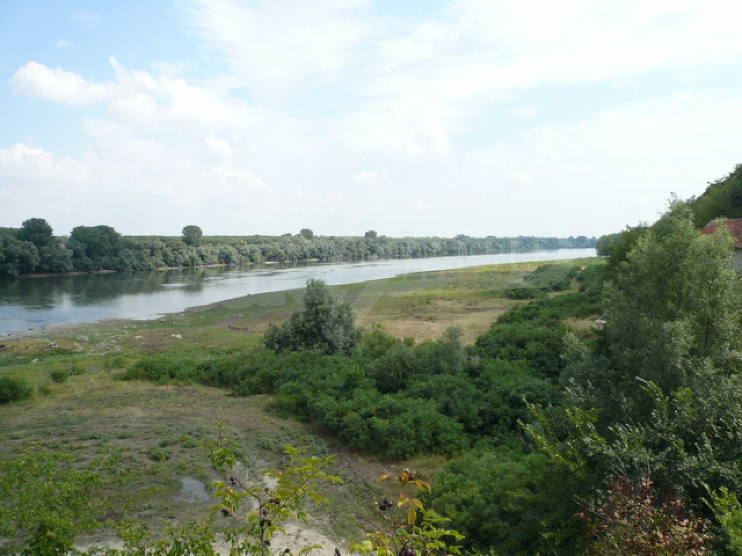 Property on the bank of the River Danube