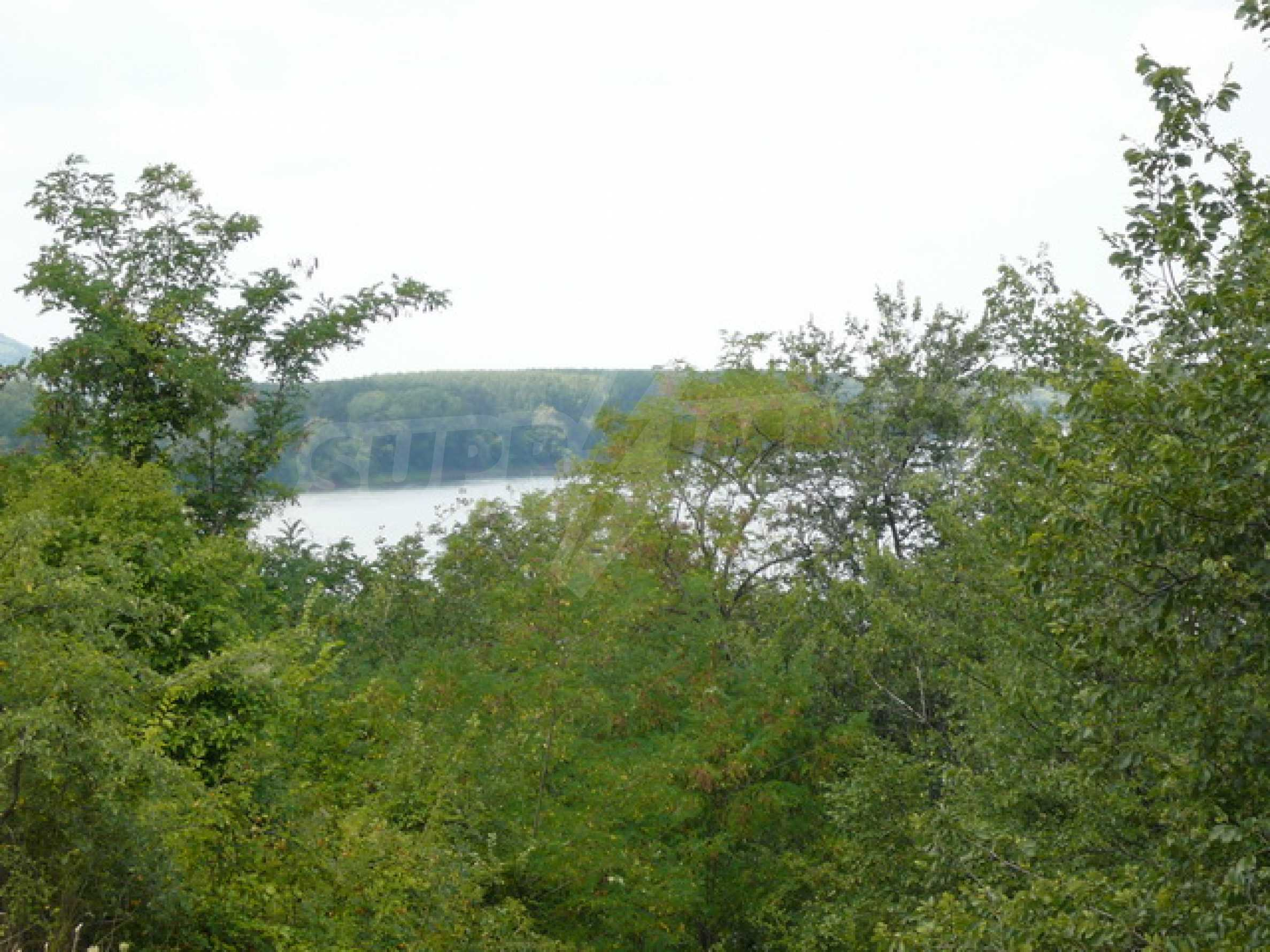 Property on the bank of the River Danube 13