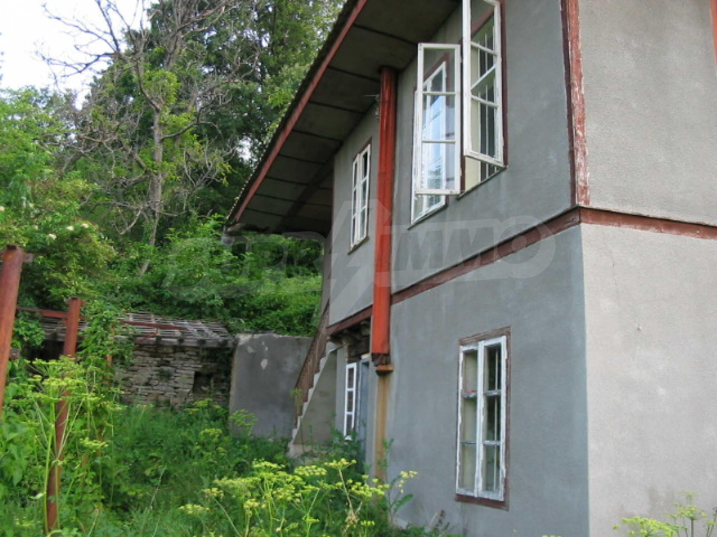 Планинска къща близо до Велико Търново  2