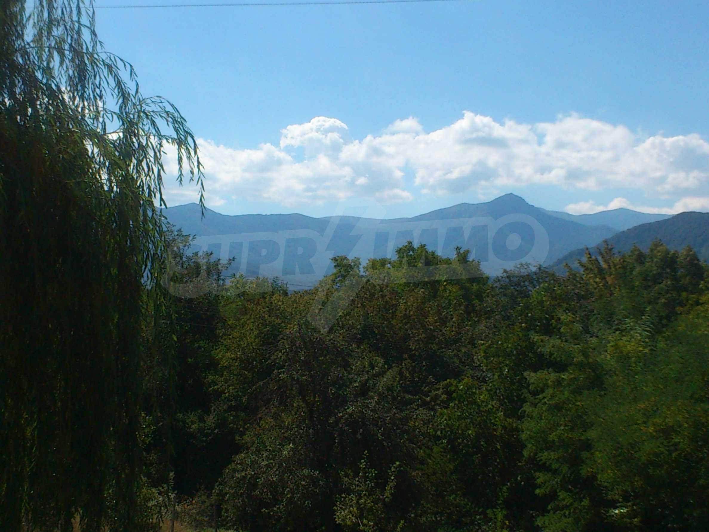 Propety near Apriltsi 51