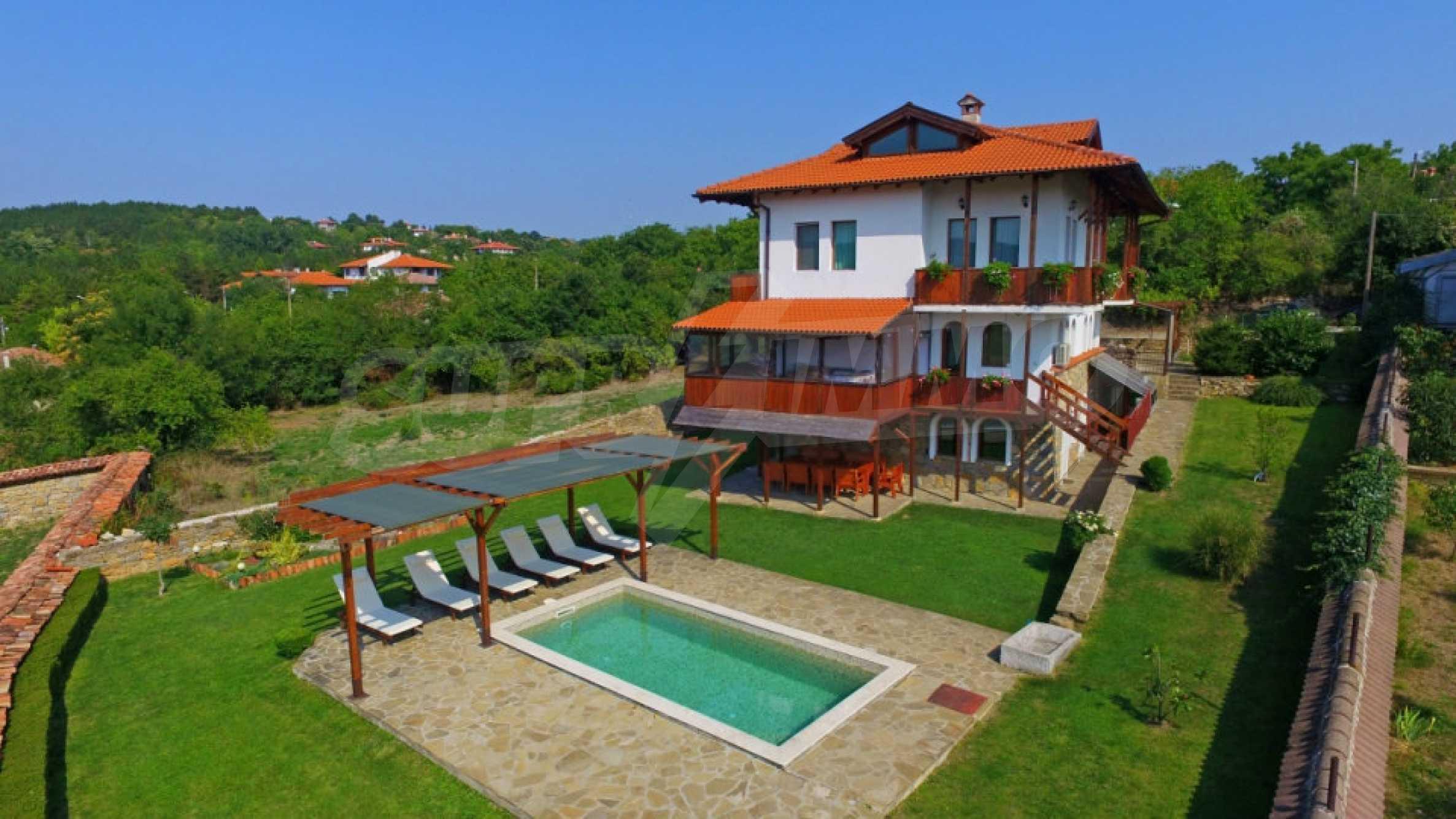Напълно обзаведена къща за гости в Арбанаси