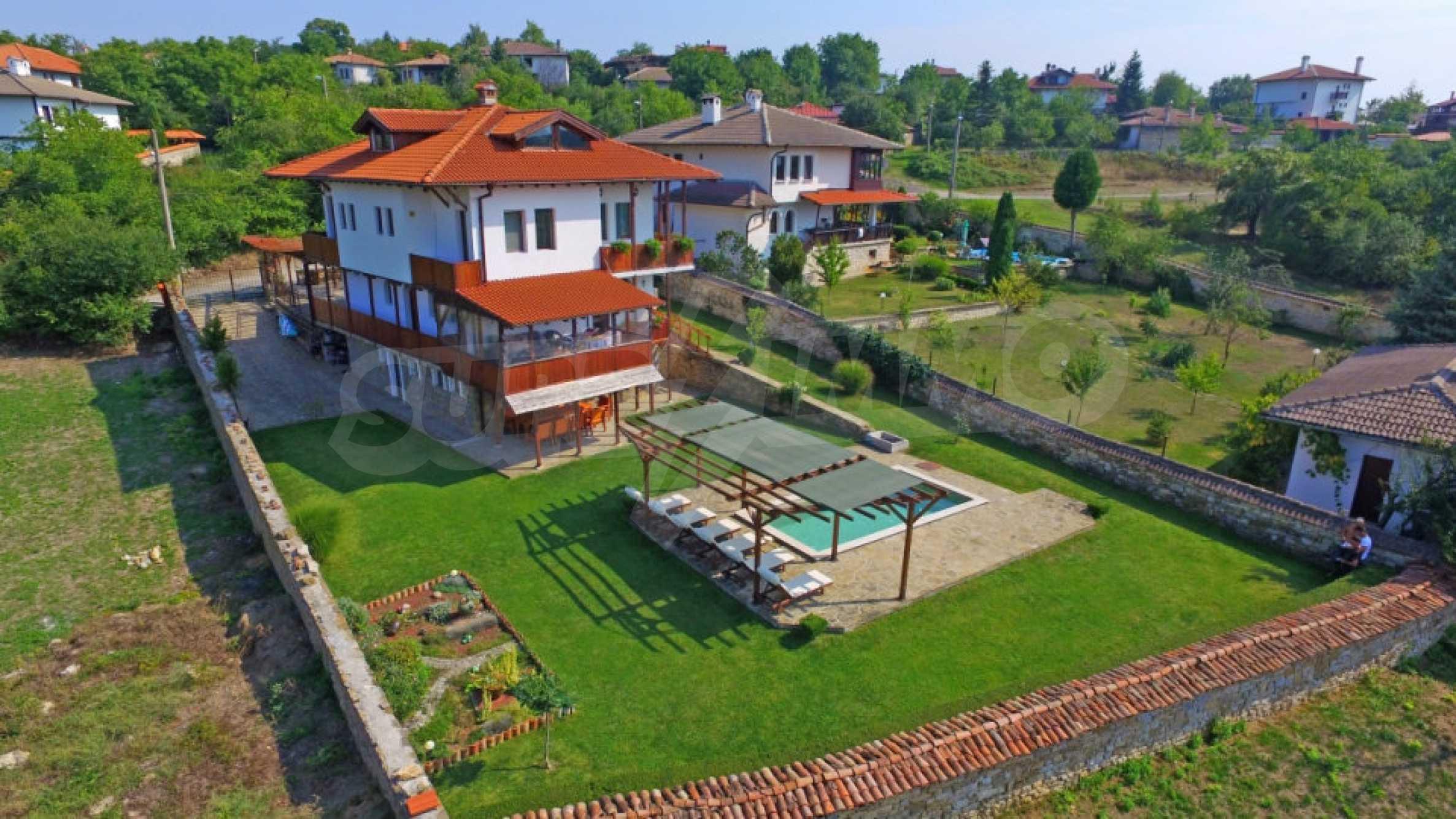 Напълно обзаведена къща за гости в Арбанаси 3