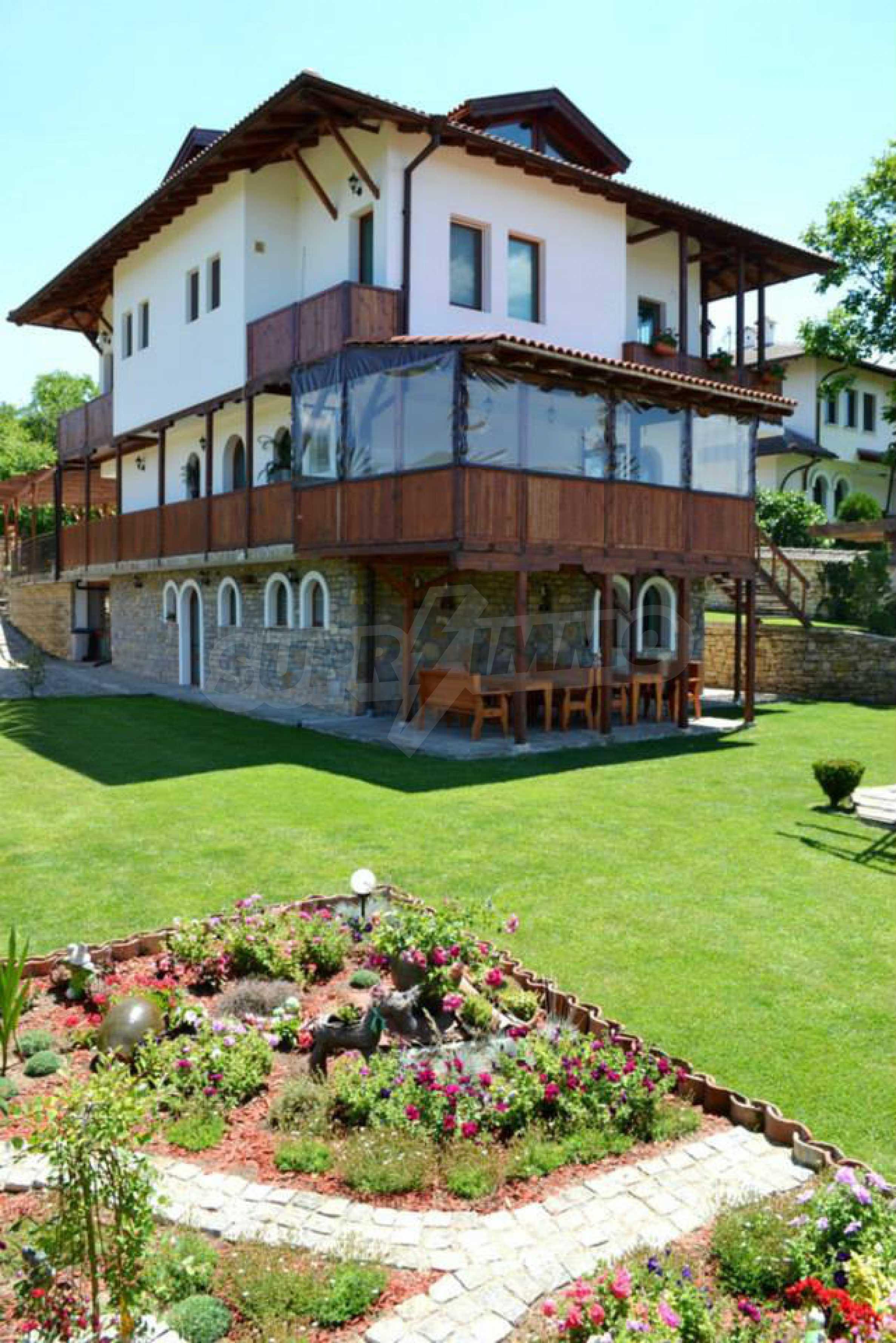 Напълно обзаведена къща за гости в Арбанаси 7