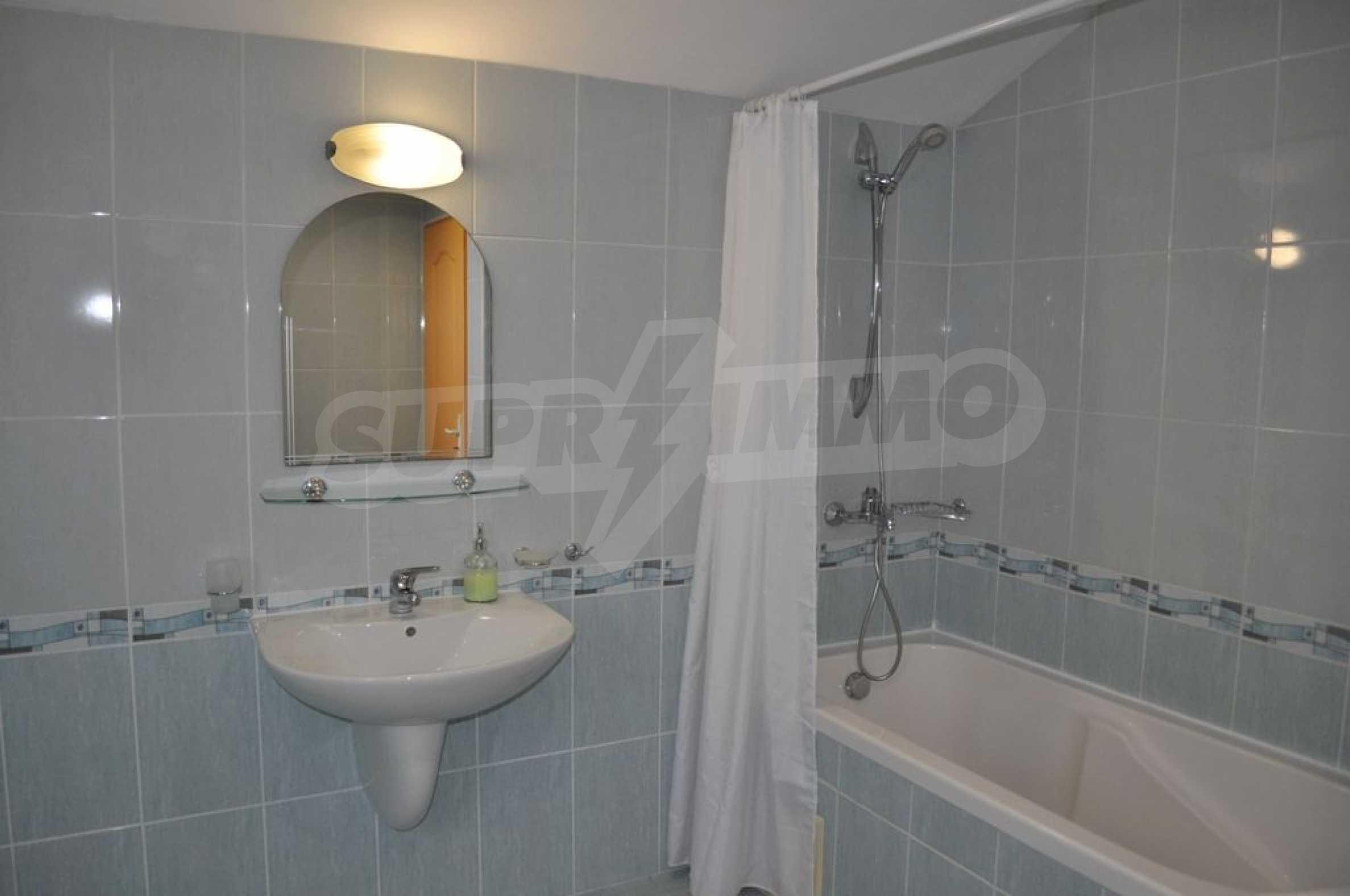 Villa mit Swimmingpool und 6 Schlafzimmern in der Nähe des Resorts Albena 26
