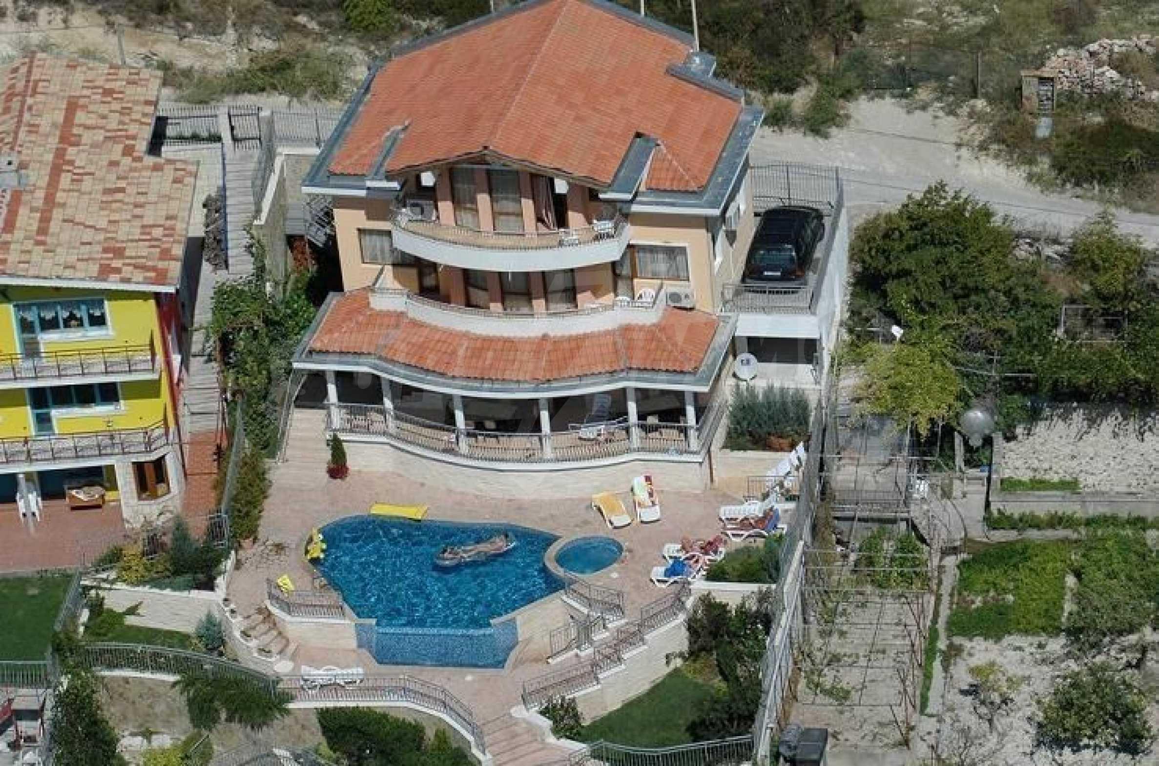 Villa mit Swimmingpool und 6 Schlafzimmern in der Nähe des Resorts Albena 27