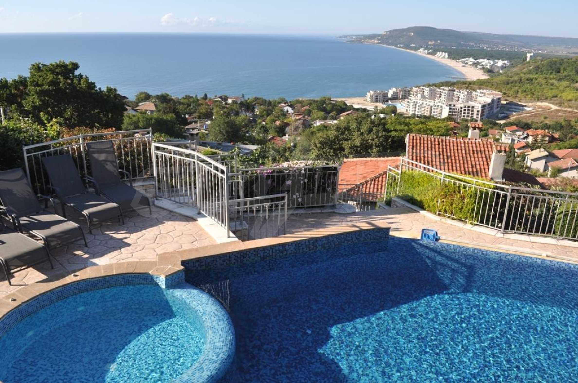 Villa mit Swimmingpool und 6 Schlafzimmern in der Nähe des Resorts Albena 2