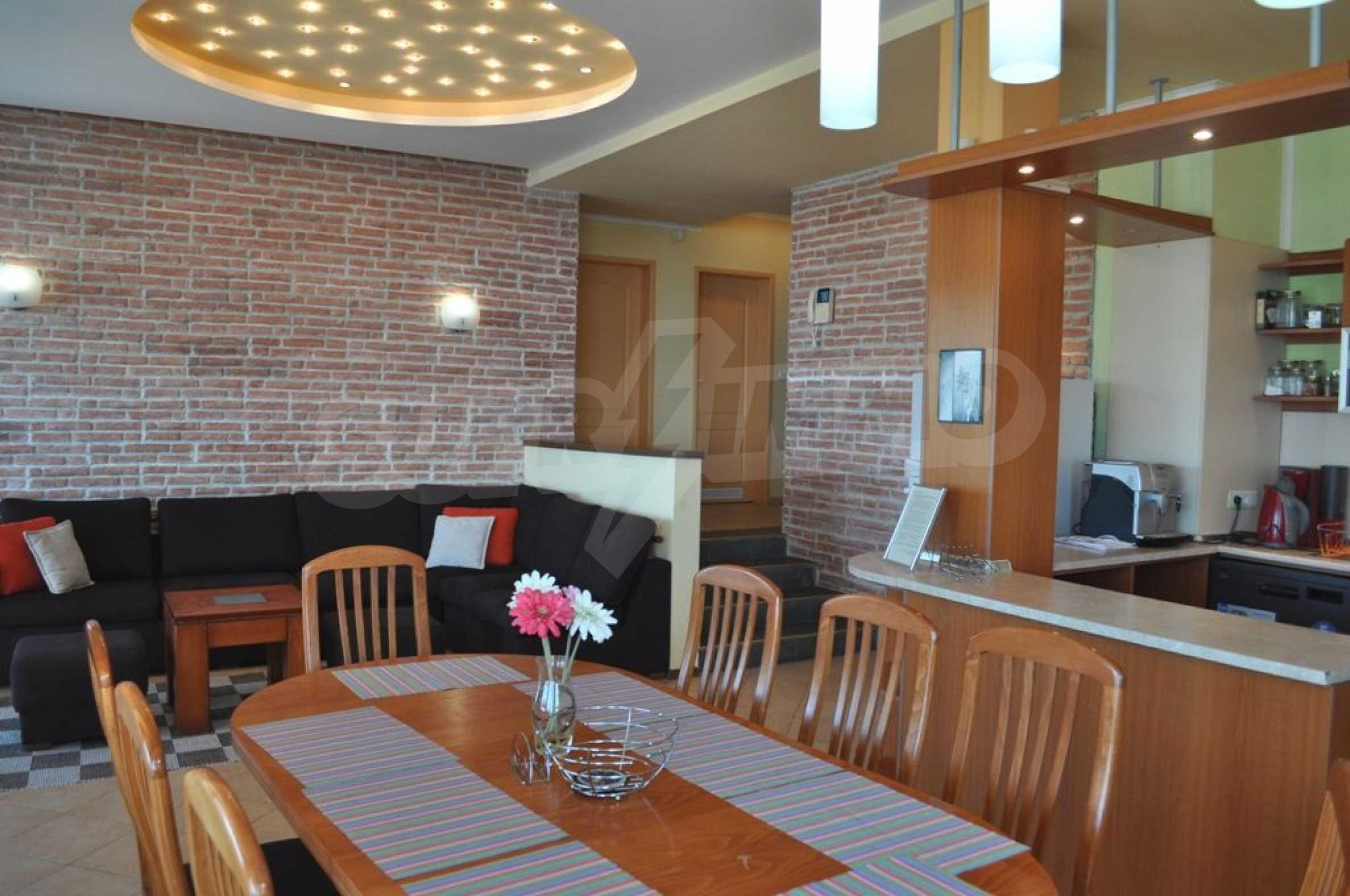 Villa mit Swimmingpool und 6 Schlafzimmern in der Nähe des Resorts Albena 8