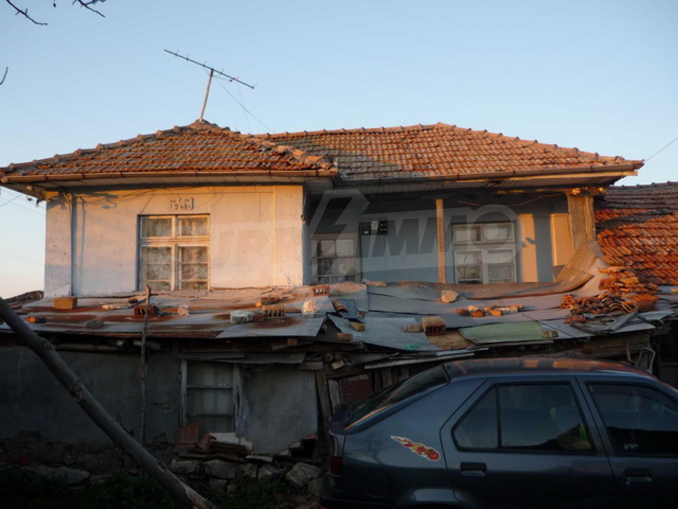 Zweistöckiges Haus zum Verkauf in einem Dorf 40 km von Veliko Tarnovo entfernt 2