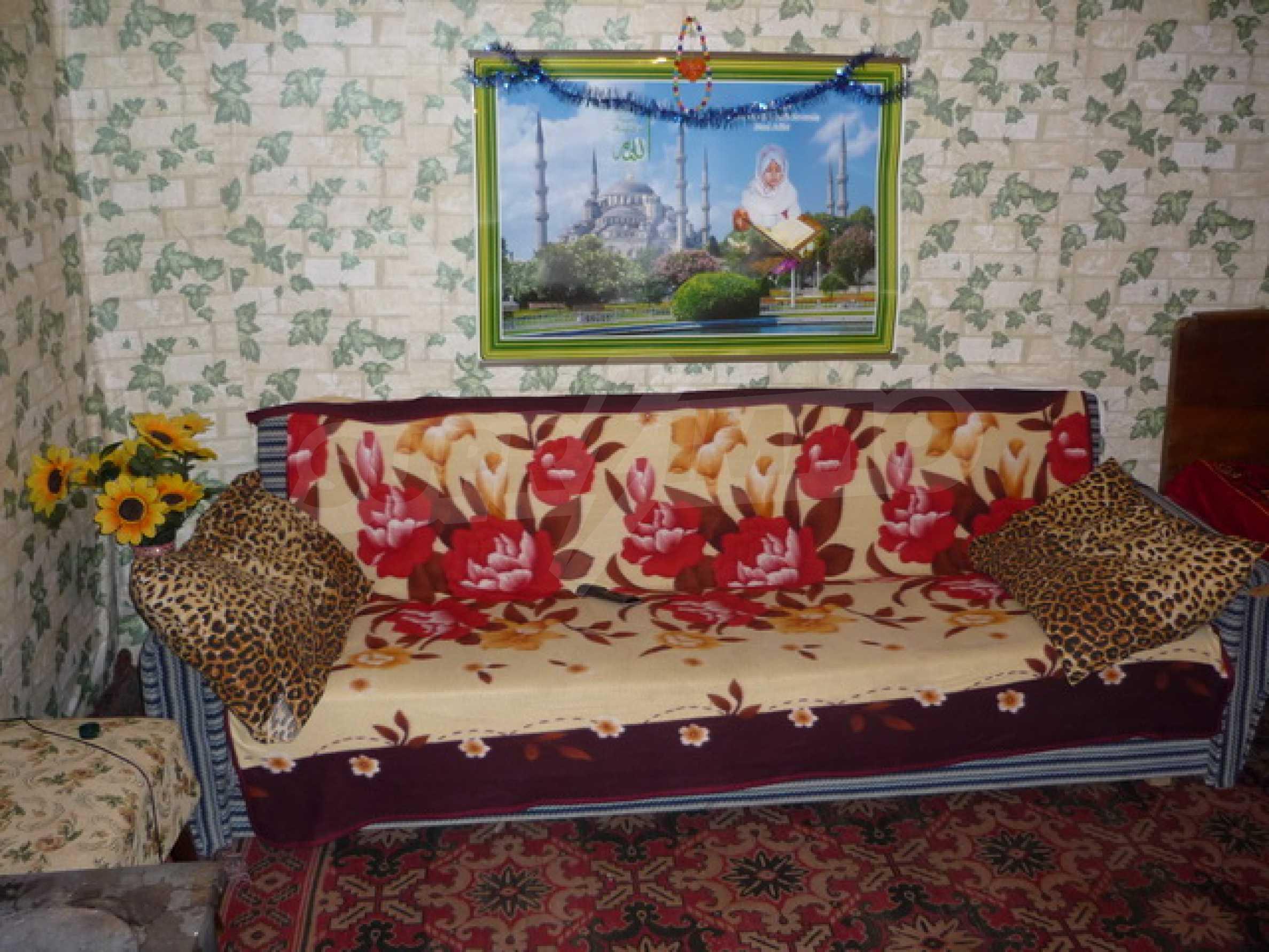 Zweistöckiges Haus zum Verkauf in einem Dorf 40 km von Veliko Tarnovo entfernt 3