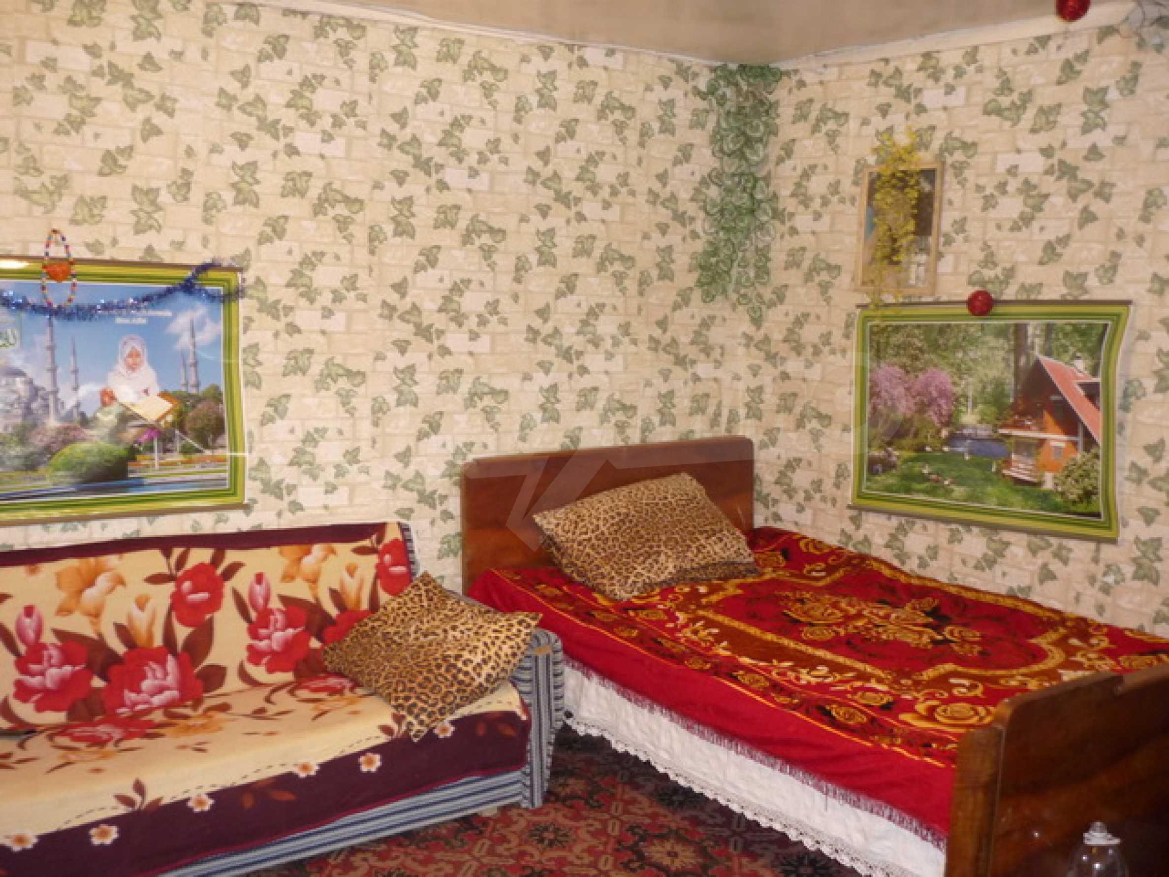 Zweistöckiges Haus zum Verkauf in einem Dorf 40 km von Veliko Tarnovo entfernt 4